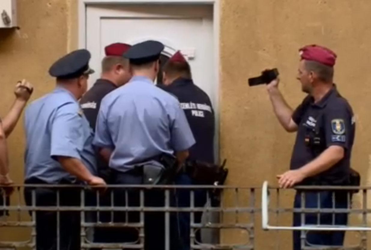 Napi 12 embert lakoltatnak ki Magyarországon
