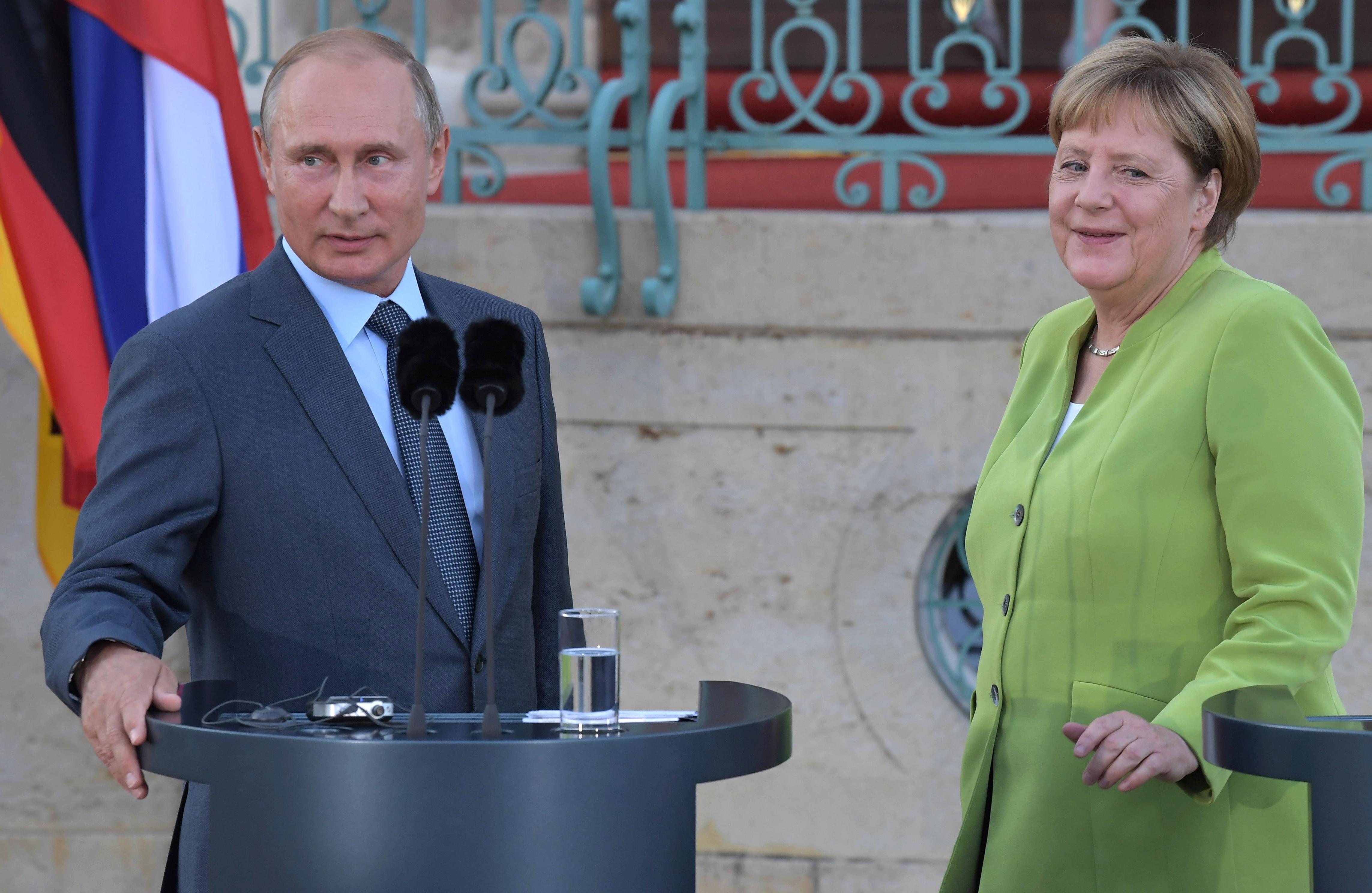 Putyin: Ha nyereséges, fenntartható az ukrajnai gáztranzit az Északi Áramlat 2. mellett is