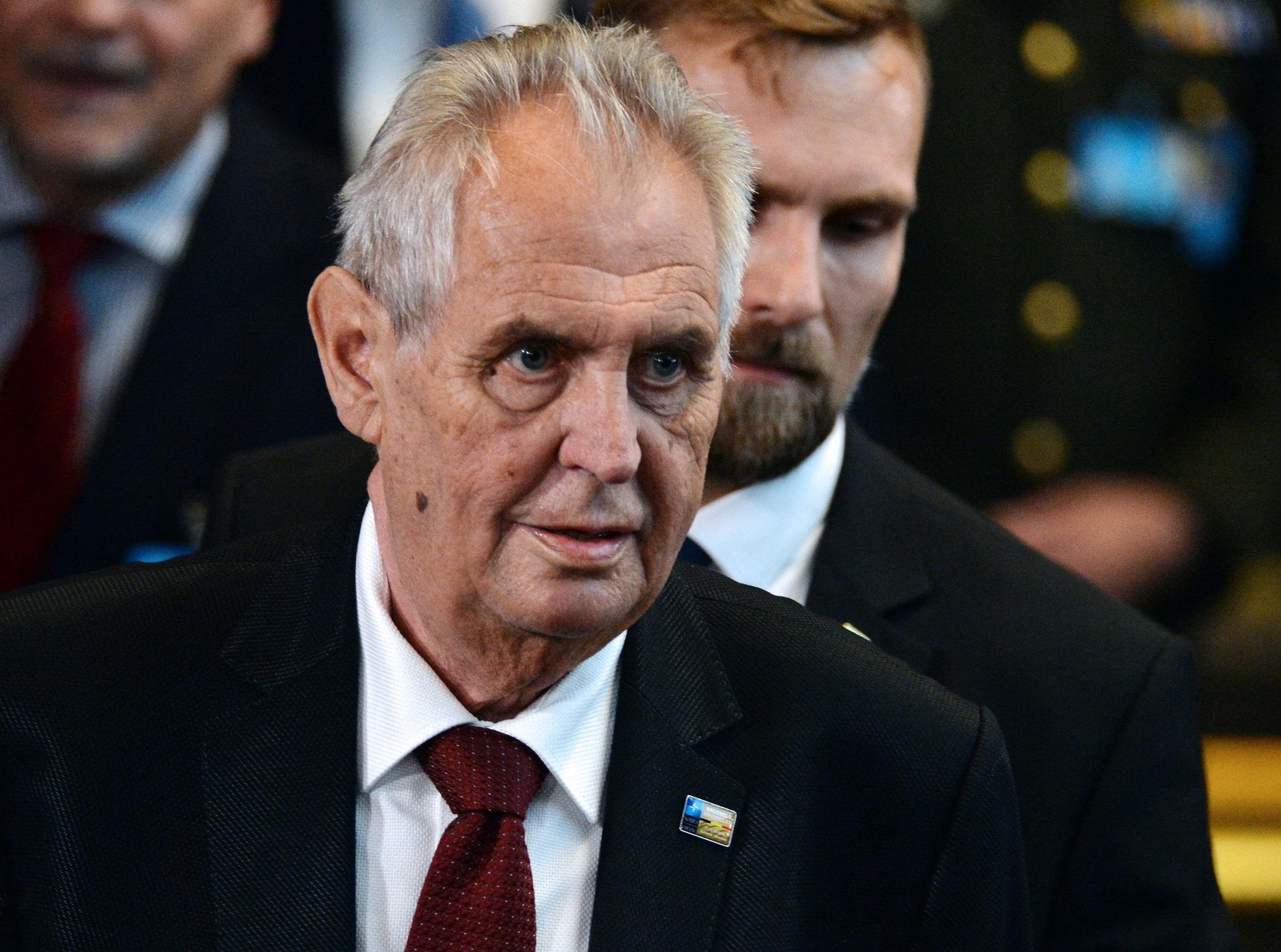 A cseh elnök szerint nem biztos, hogy az oroszok állnak a robbantás mögött