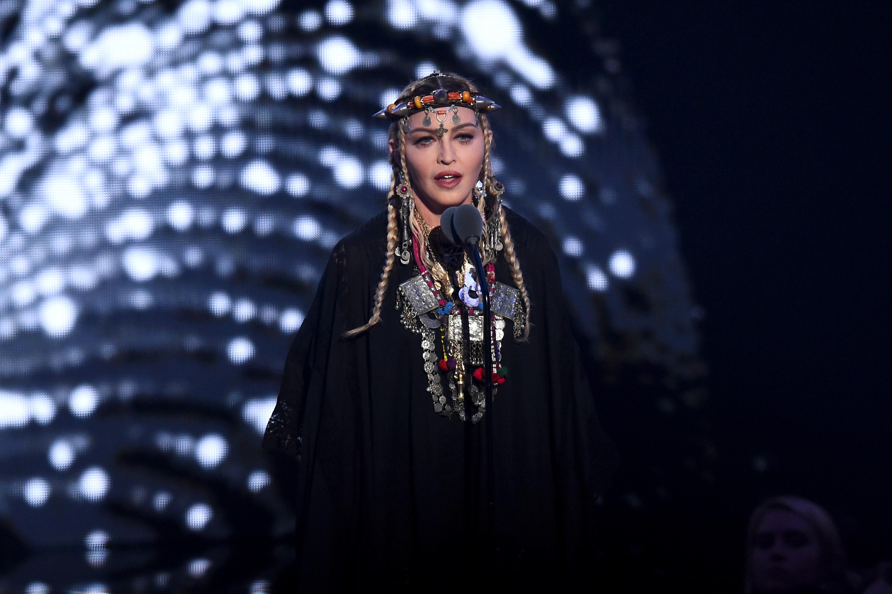 Madonna beszédet mondott Aretha Franklinről, de valahogy úgy alakult, hogy inkább saját magáról szólt