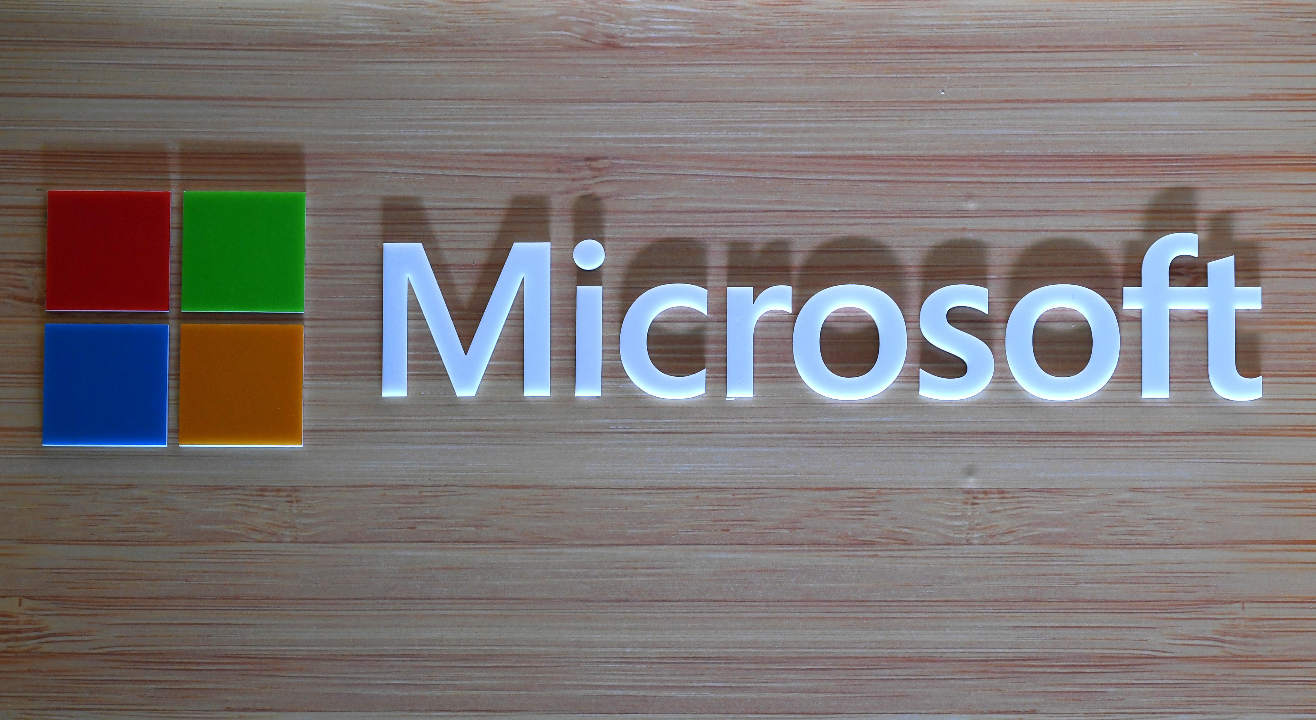 A Microsoft azt állítja, hogy orosz hackerek támadását akadályozta meg amerikai politikai intézmények ellen