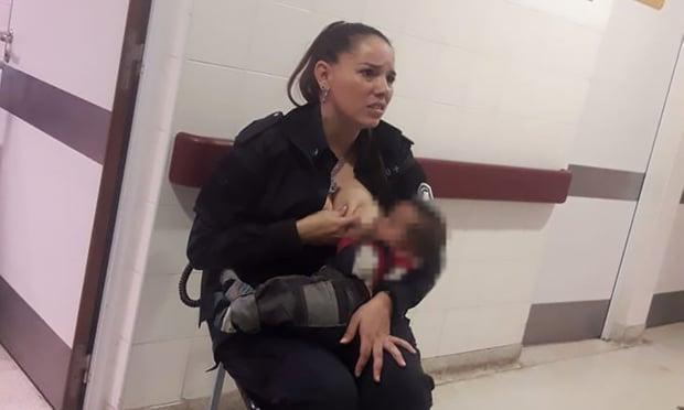Előléptették az argentin rendőrnőt, aki megszoptatott egy síró gyereket egy kórházban