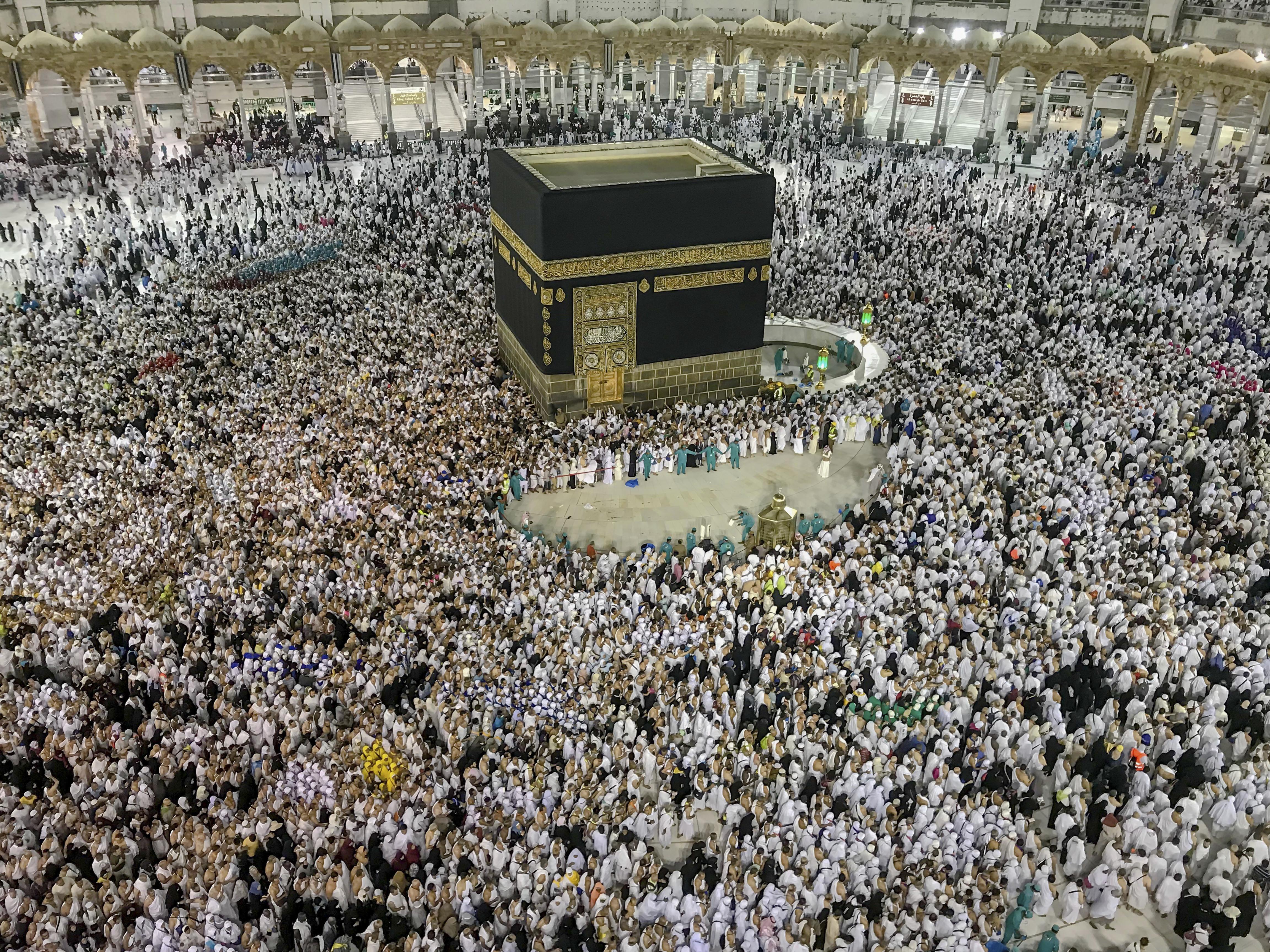 Megtartják a mekkai zarándoklatot, de nagyon korlátozott részvétellel