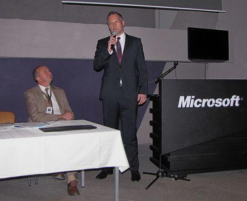 Nem indult nyomozás a magyarországi Microsoft korrupciógyanús ügyei miatt