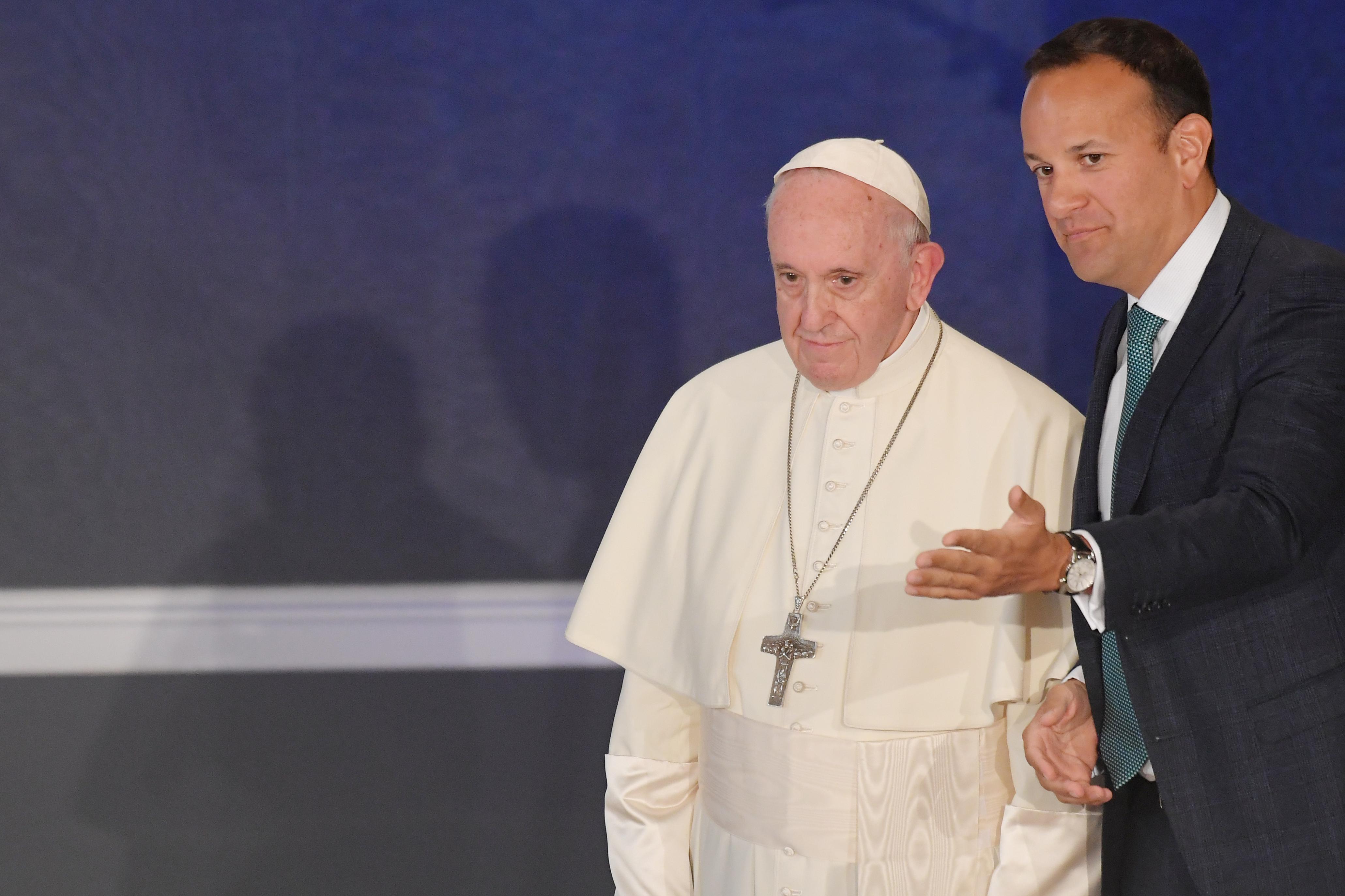 Nyolc, egyházi személyek által elkövetett szexuális erőszak áldozatával is találkozott Ferenc pápa Írországban