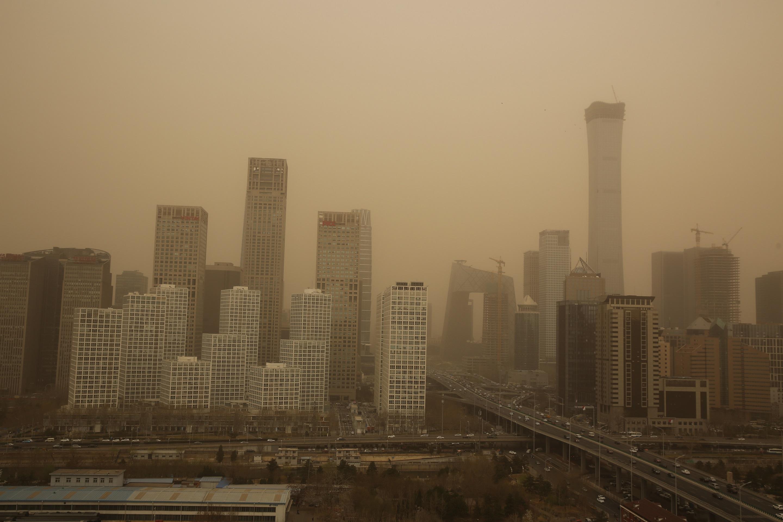 A napelemek csökkenthetnék a légszennyezést, ha a légszennyezés nem takarná el előlük a napot