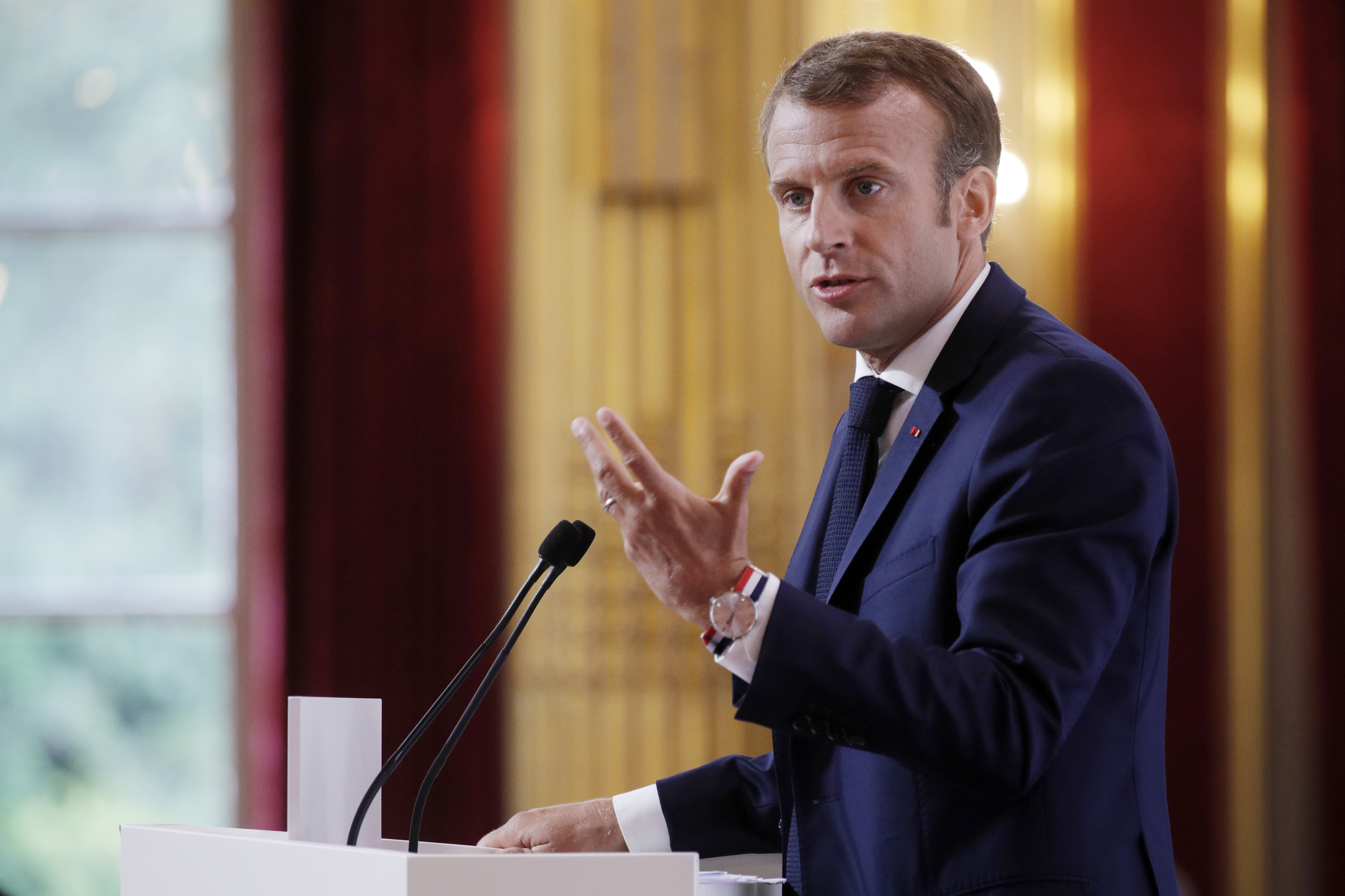 Macron egyre népszerűtlenebb
