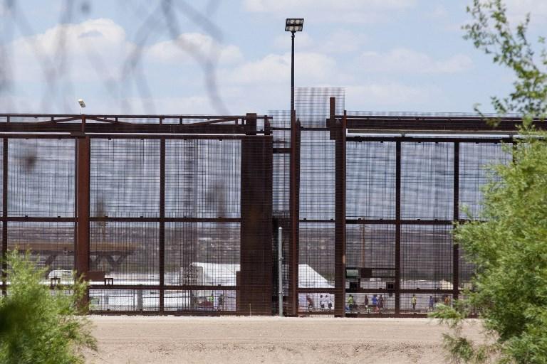Az amerikai kormánynak akár 2 évébe is telhet, hogy azonosítsa a több ezer gyereket, akiket elszakítottak a szüleiktől a mexikói határon