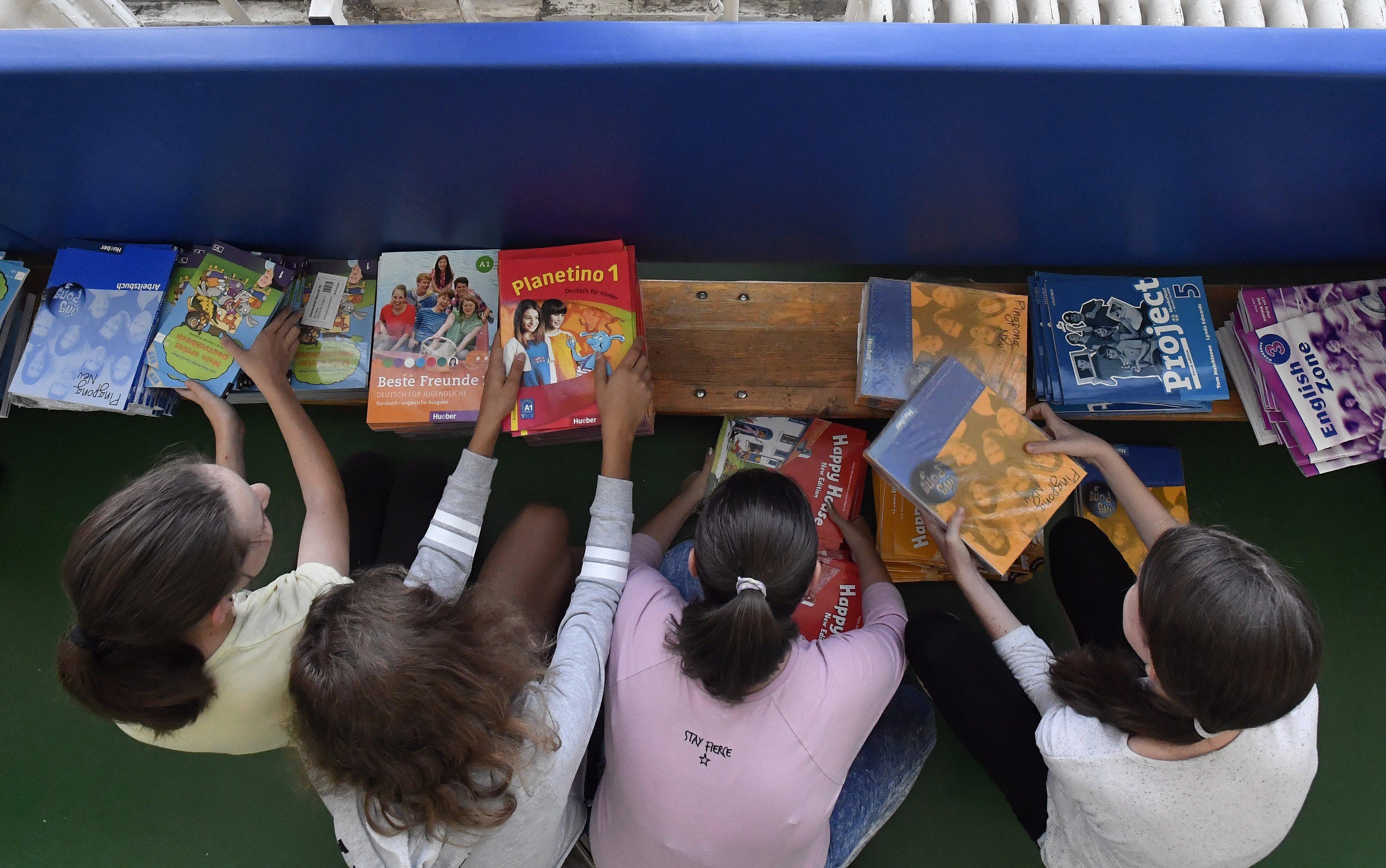 Háromezer tanár hiányzik, de a Klebelsberg Központ szerint nincs országos pedagógushiány