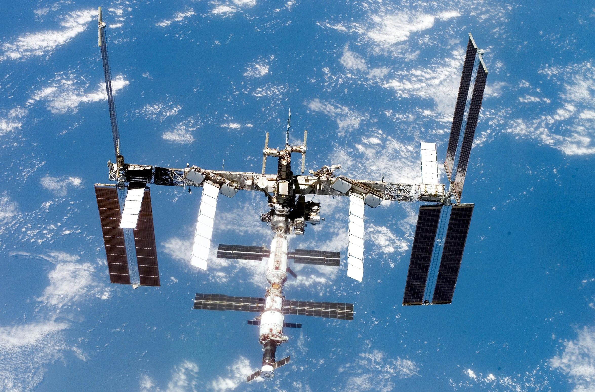 Levegő szivárog a Nemzetközi Űrállomás egyik űrkapszulájából