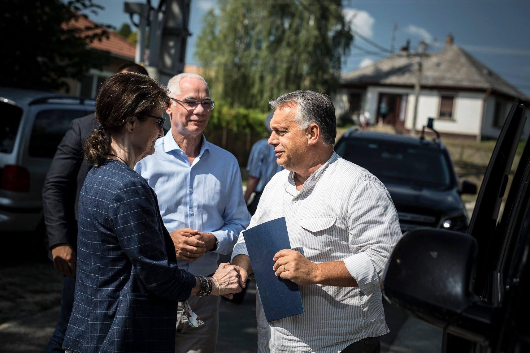 Orbán egy újabb alkotmánymódosításról beszélt Kötcsén