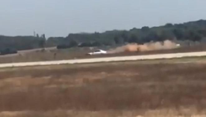 Autós üldözés volt a lyoni reptér kifutópályáján