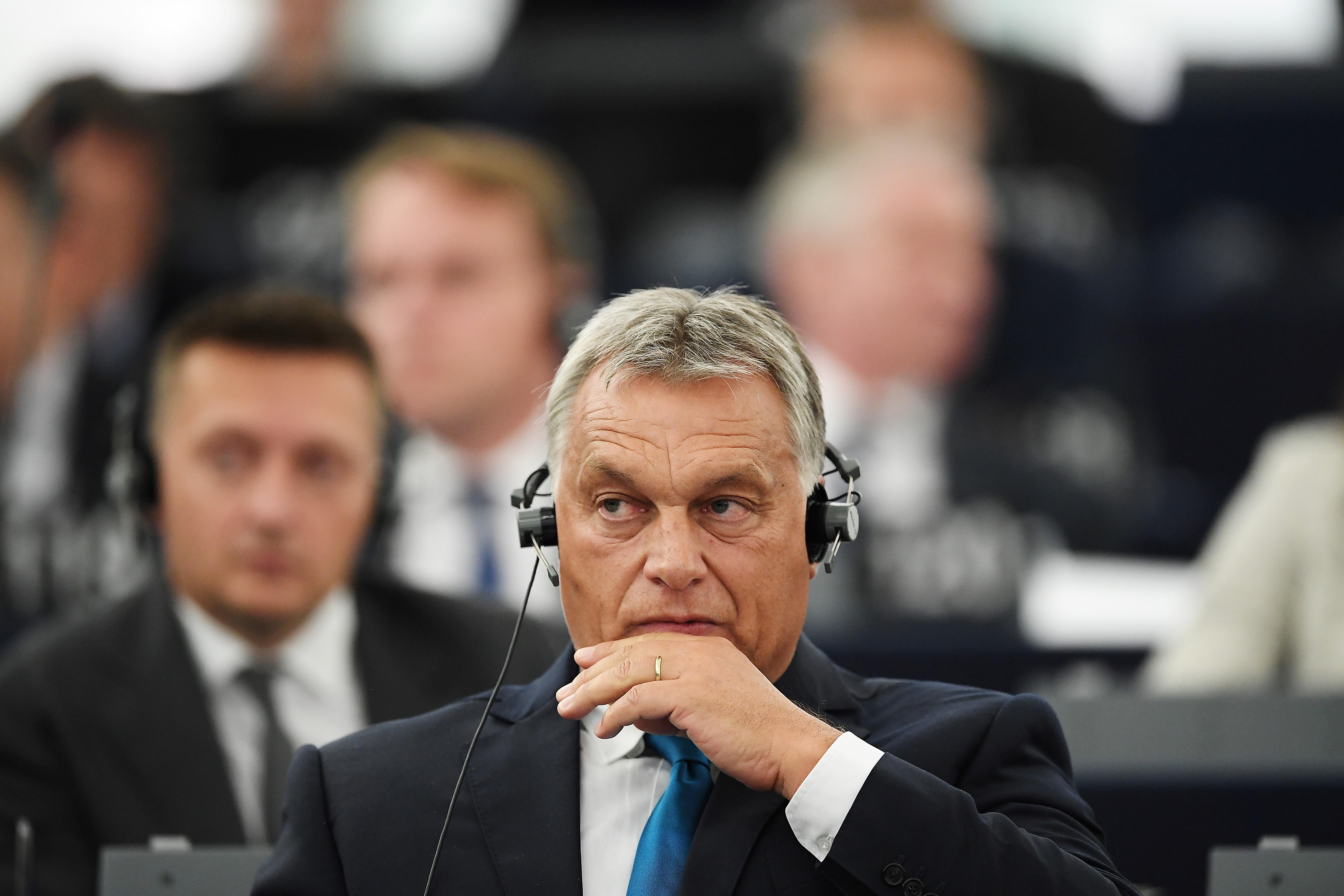 A legismertebb német konzervatív lap szerint Orbánt és a Fideszt ki kell zárni a Néppártból