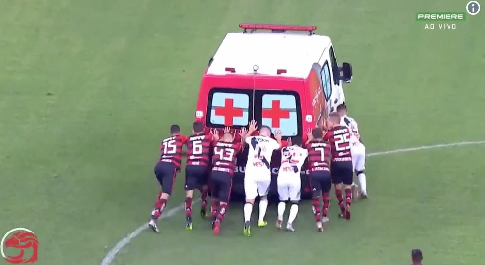 A kezdőkörben robbant le a mentőautó a Vasco és a Flamengo meccsén