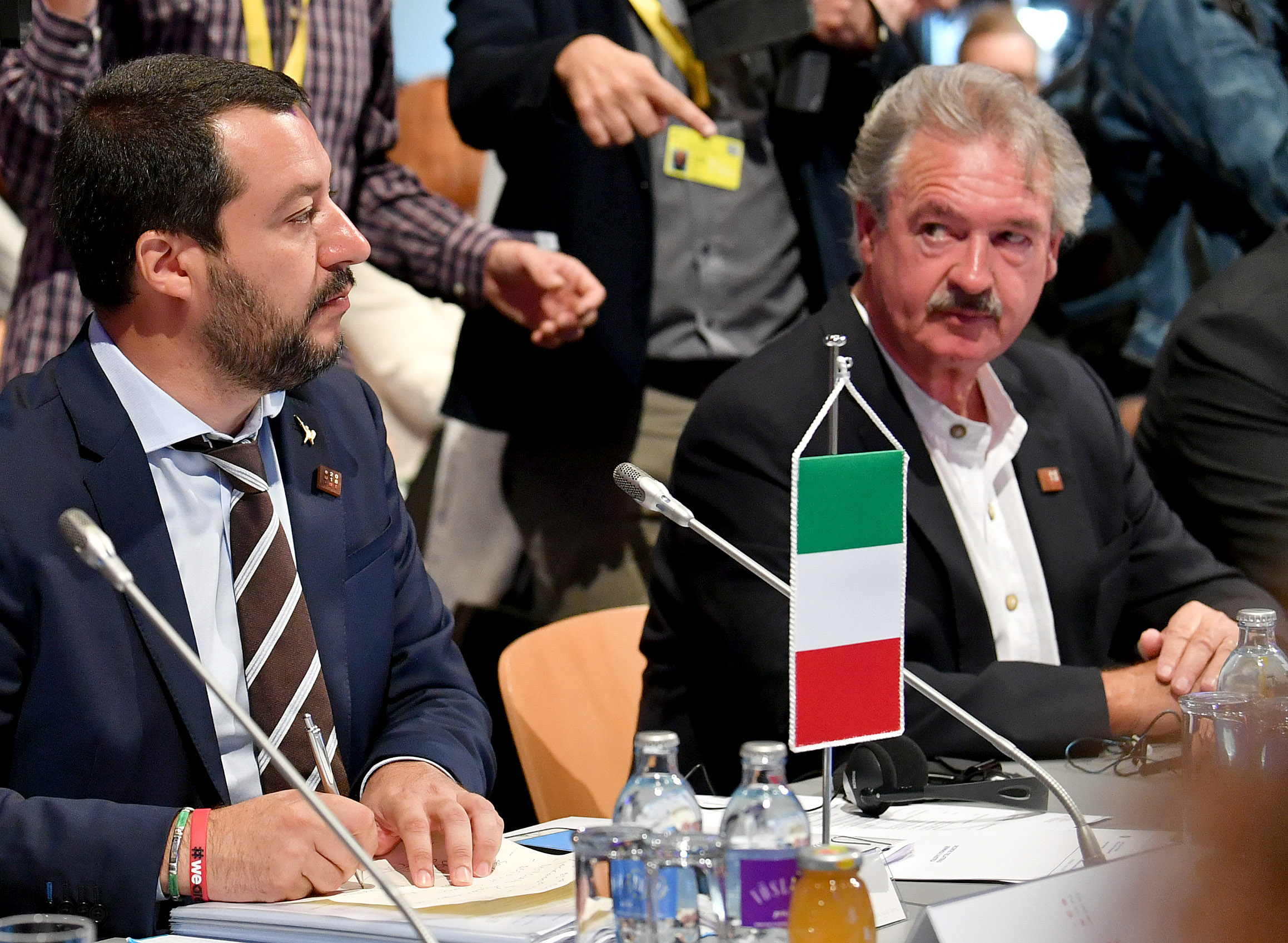 """""""Bassza meg már"""" – tört ki a luxemburgi külügyminiszterből, amikor Salvini arról beszélt, hogy Luxemburg új rabszolgákként tekint az afrikai bevándorlókra"""