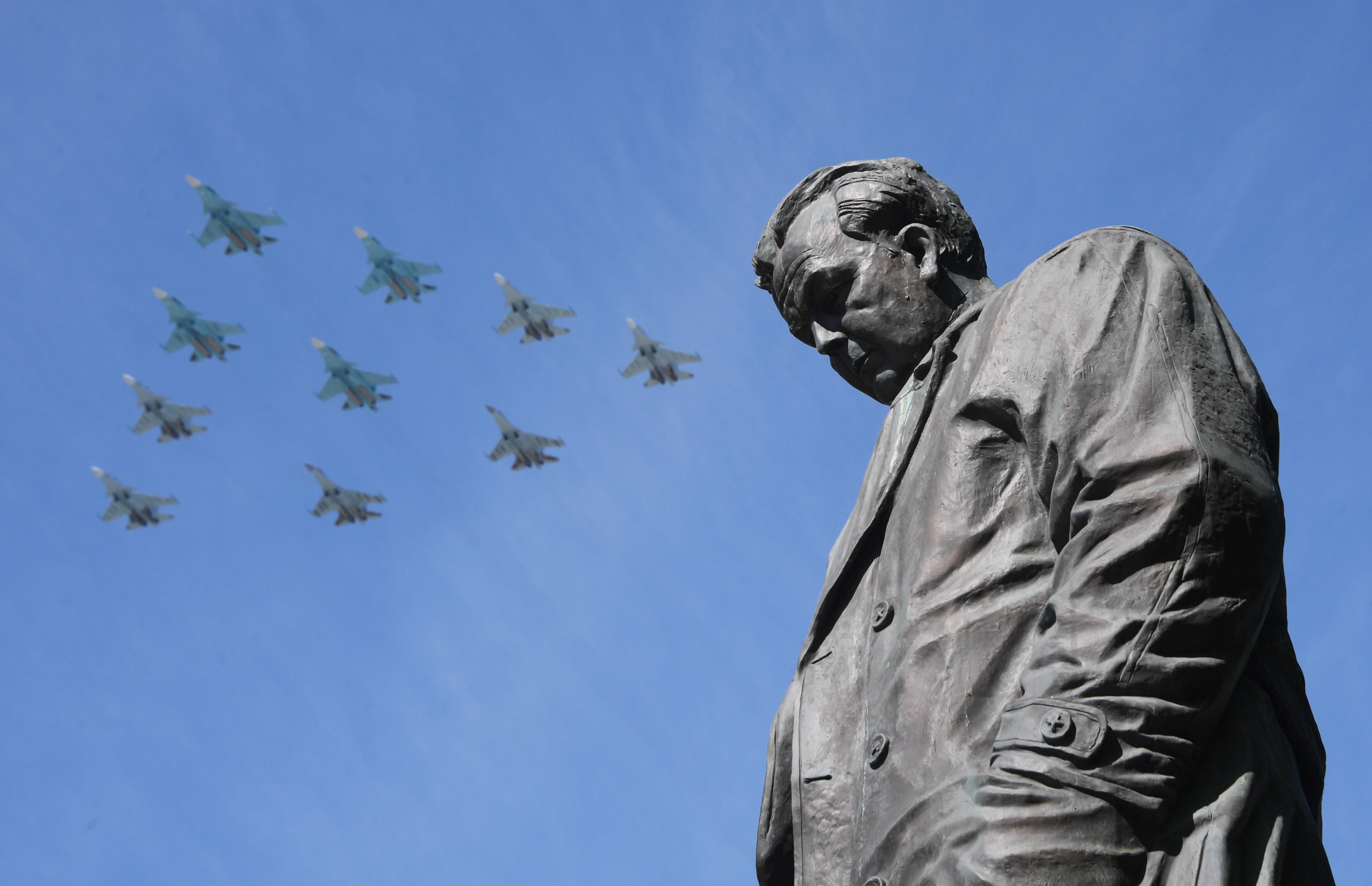 Az amerikaiak szankciókkal büntetik Kínát, amiért az oroszoktól vett vadászgépeket