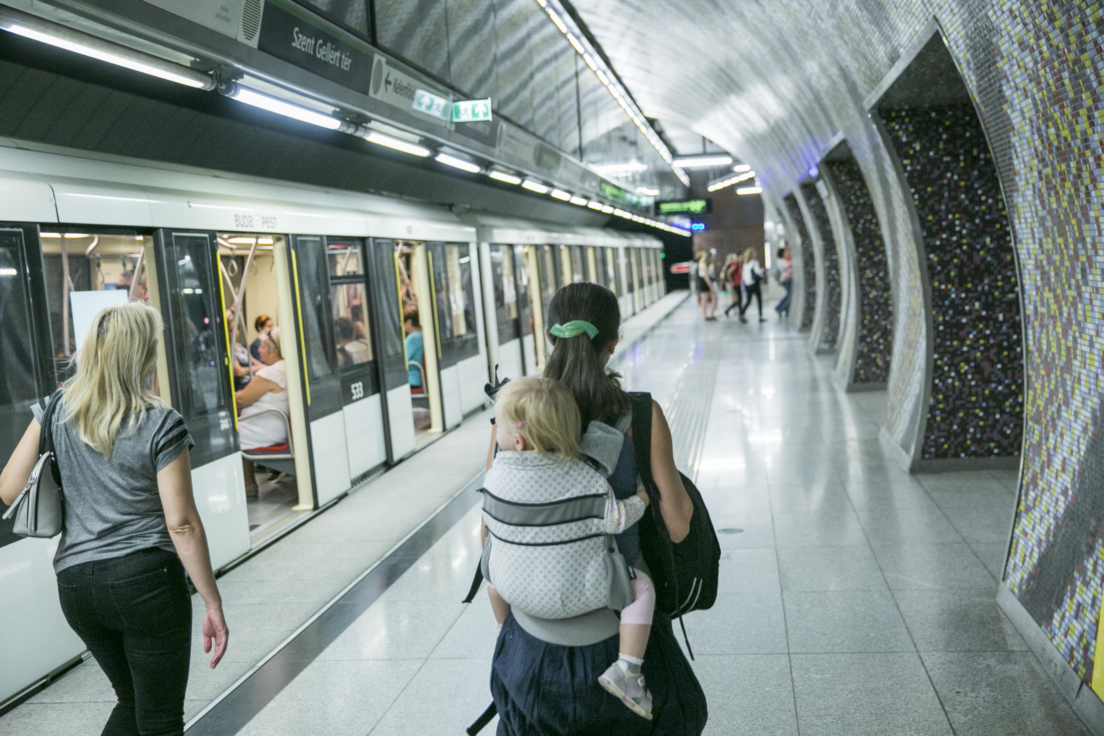 Öt éve adták át, de még mindig drágul a 4-es metró, de szerencsére már fideszesek is keresnek rajta