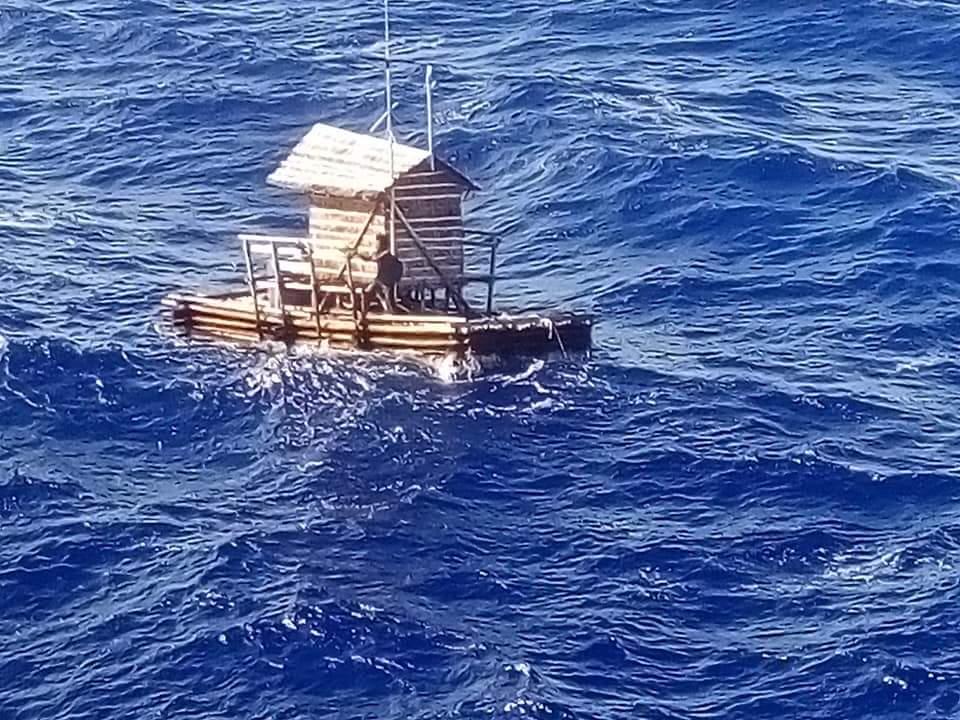 Extrém pecatúra: 49 napig hánykolódott a nyílt tengeren az indonéz tinédzser egy elszabadult halászkunyhóban