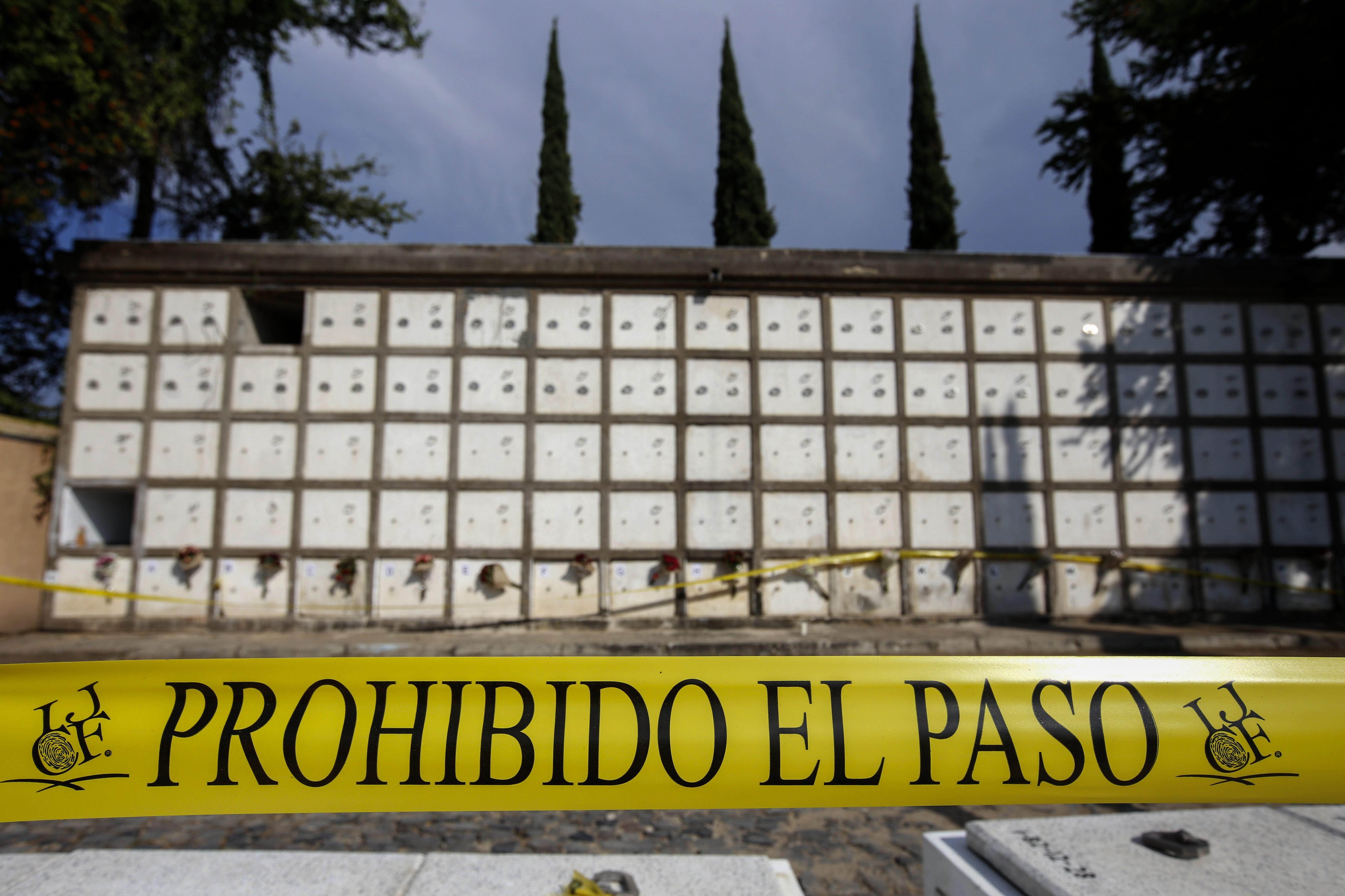 Több mint két éve nincs hely a holttesteknek Mexikóban, a kamionokba dobált hullák százával rohadnak szemeteszsákokban
