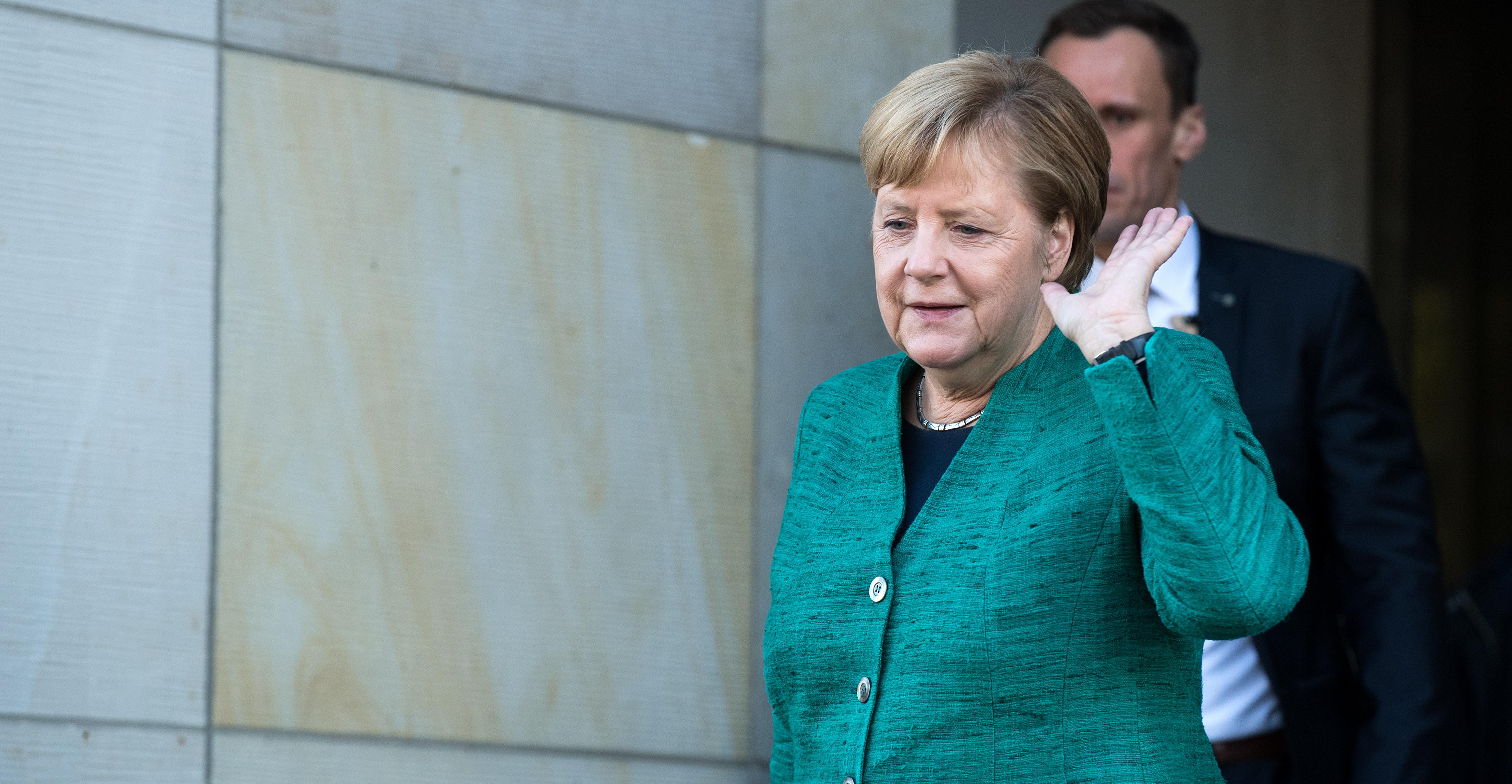 A saját frakciója buktatta meg Merkel jelöltjét