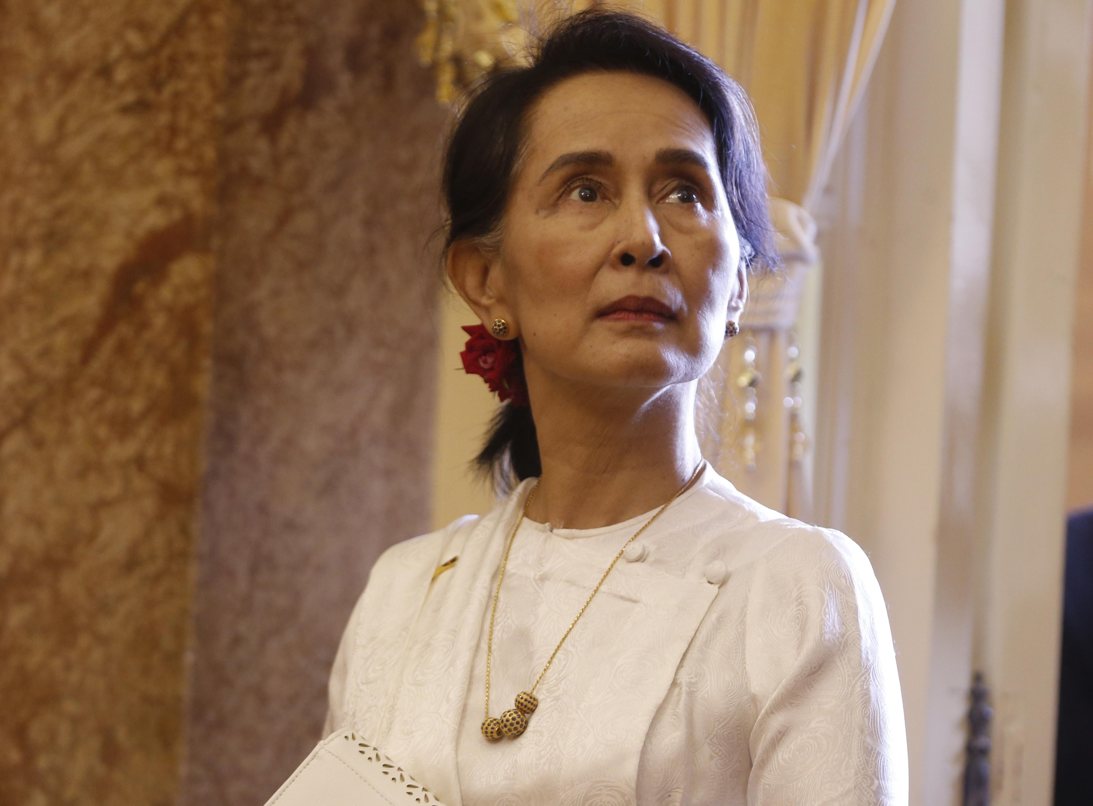 Megjelenik az ENSZ bírósága előtt a népirtással vádolt Aung Szan Szú Kji