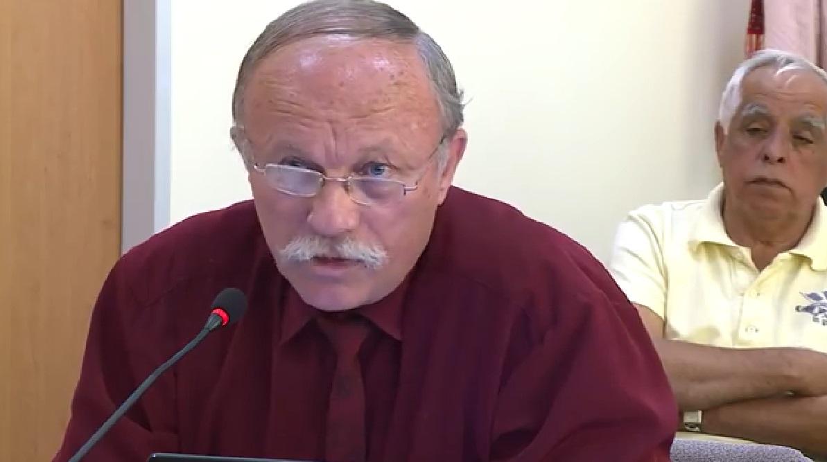 Az ügyészség zaklatás miatt nyomoz az ózdi fideszes képviselő Molotov-koktélos fenyegetőzése után