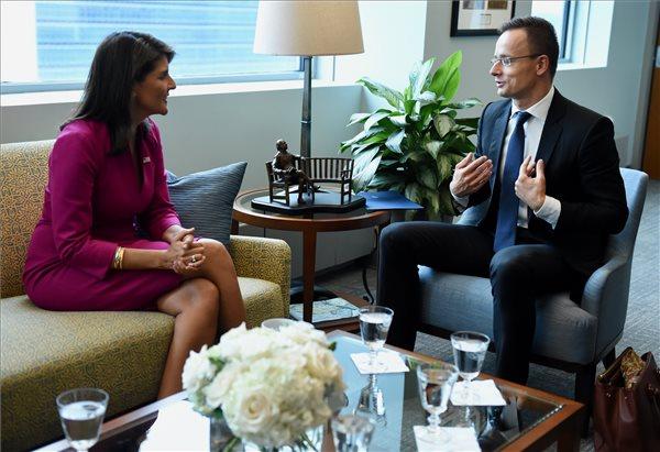 Az amerikai ENSZ-nagykövettel és az orosz külügyminiszterrel is tárgyalt Szijjártó Péter