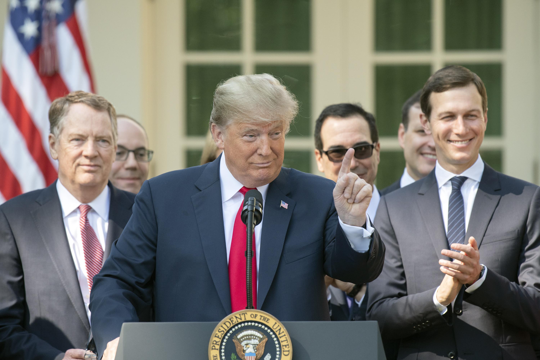 Trump: Legyen átfogó, de gyors a Kavanaugh-nyomozás