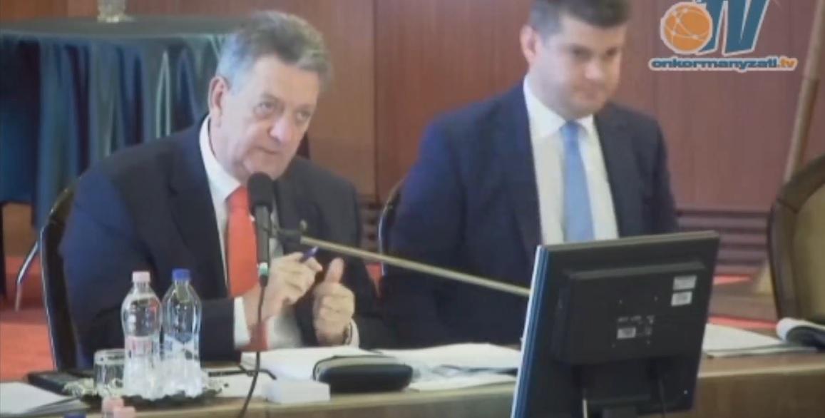 Az MSZMP tagja volt a nagykőrösi polgármester, aki határozatban kommunistázta le a Sargentini-jelentést megszavazó képviselőket