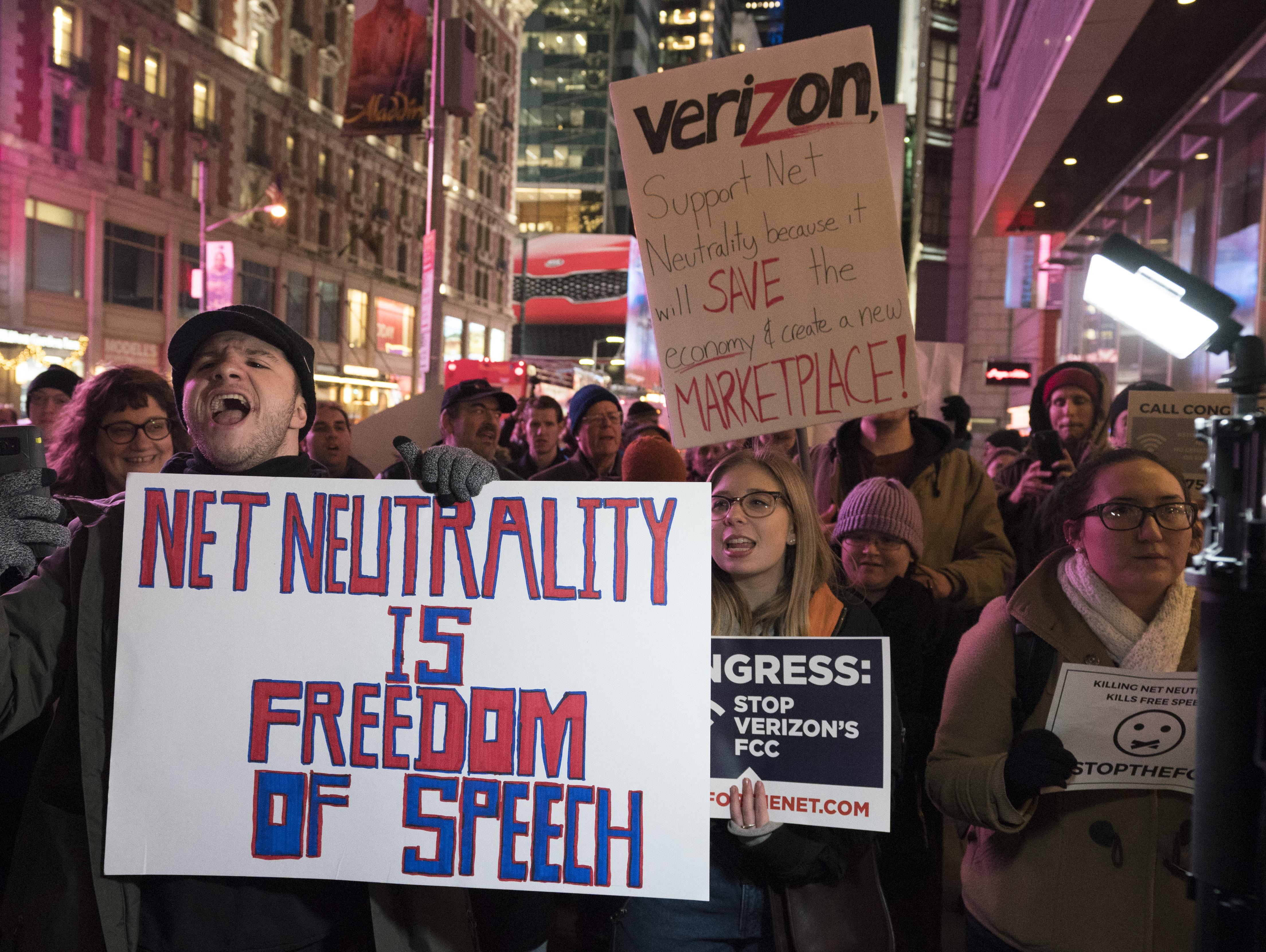 A legnagyobb amerikai internetszolgáltatók 9 millió kamukommenttel támogatták a netsemlegességi törvény visszavonását