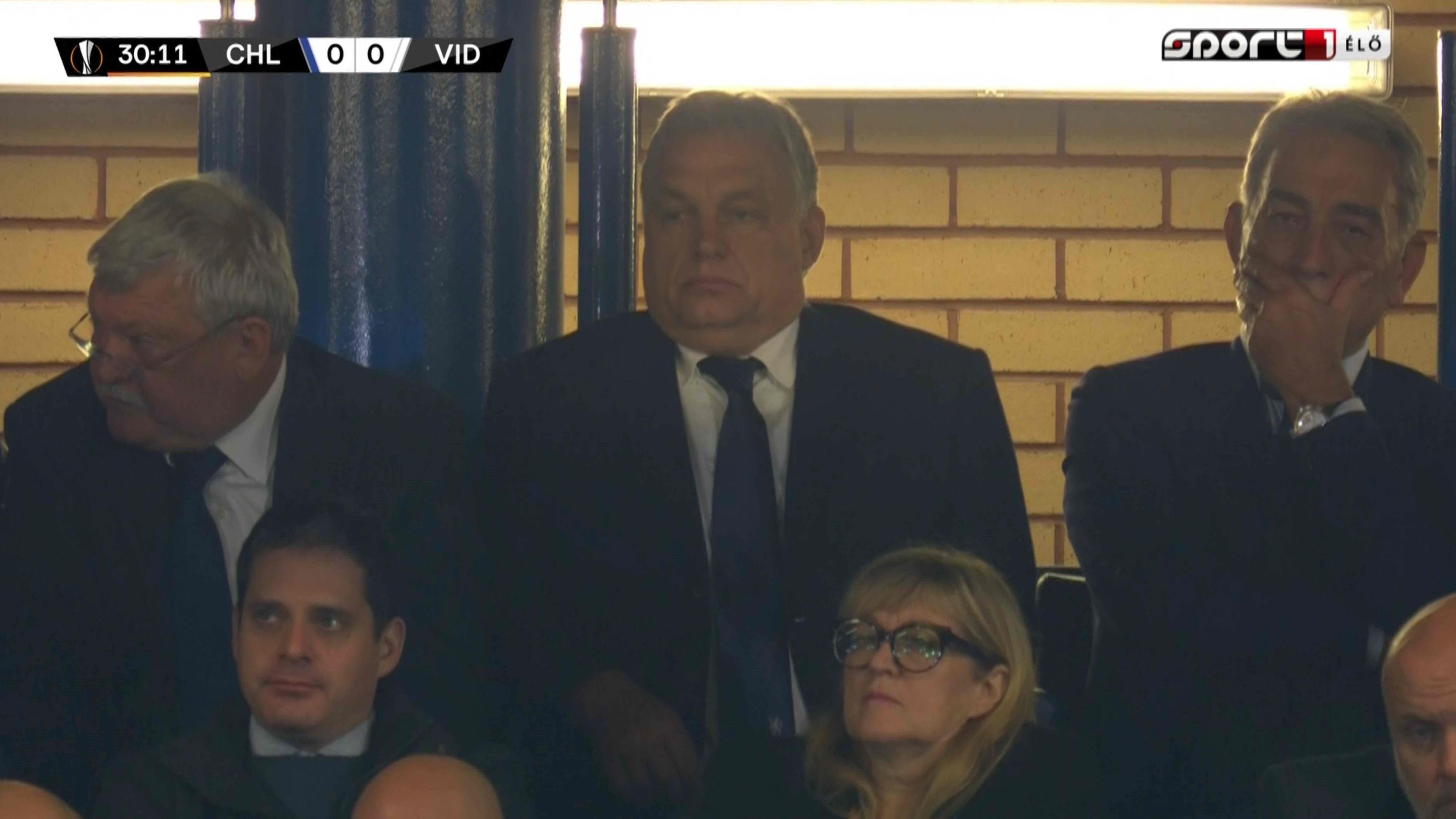 Elindultak haza Londonból a magánrepülők, amiken Orbánt is megajándékozzák néha egy-egy hellyel