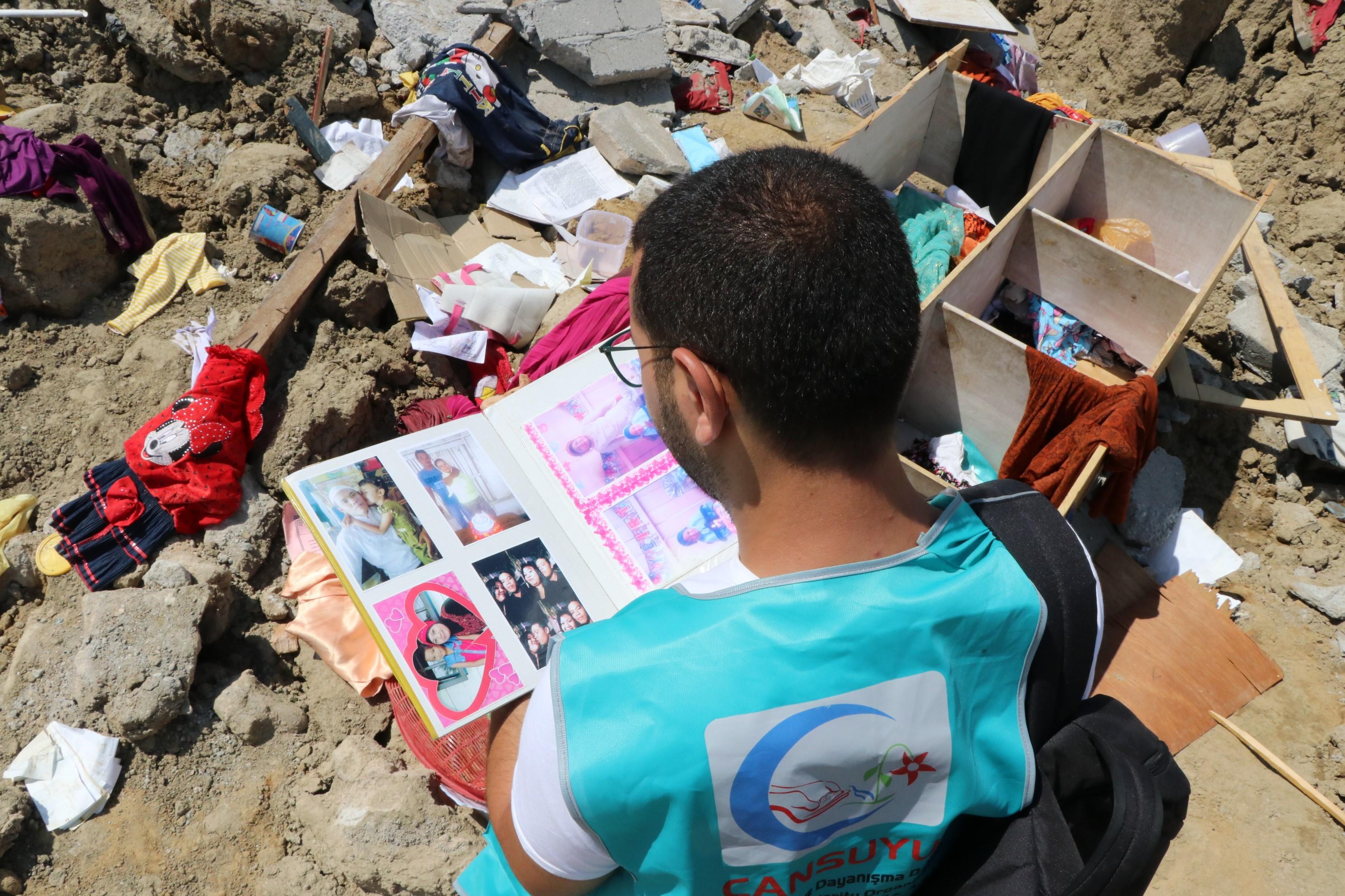 Ötezer embert keresnek az indonéziai cunami után