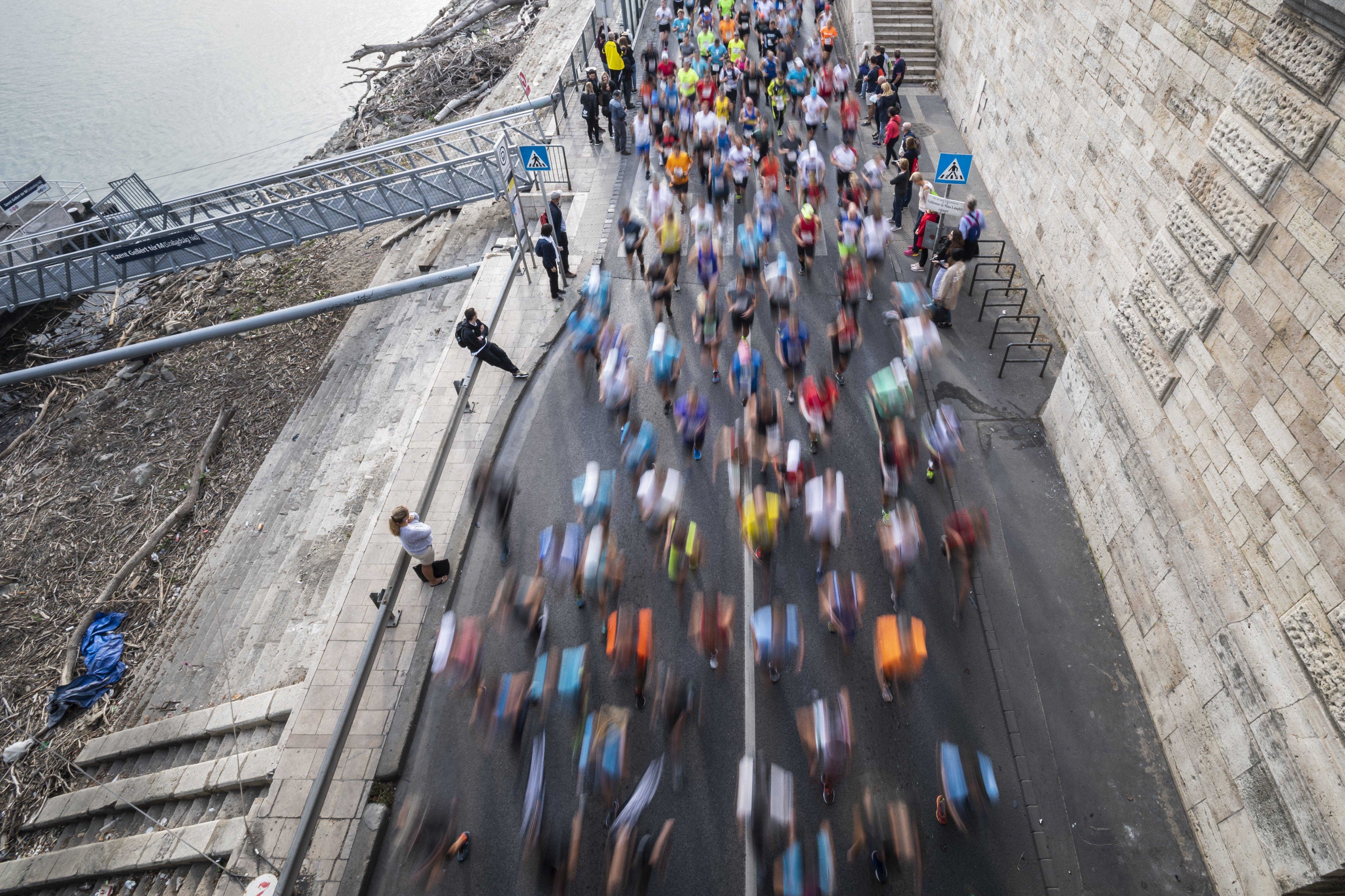 Hétvégén a gyalogosoké és a bicikliseké lesz az pesti alsó rakpart