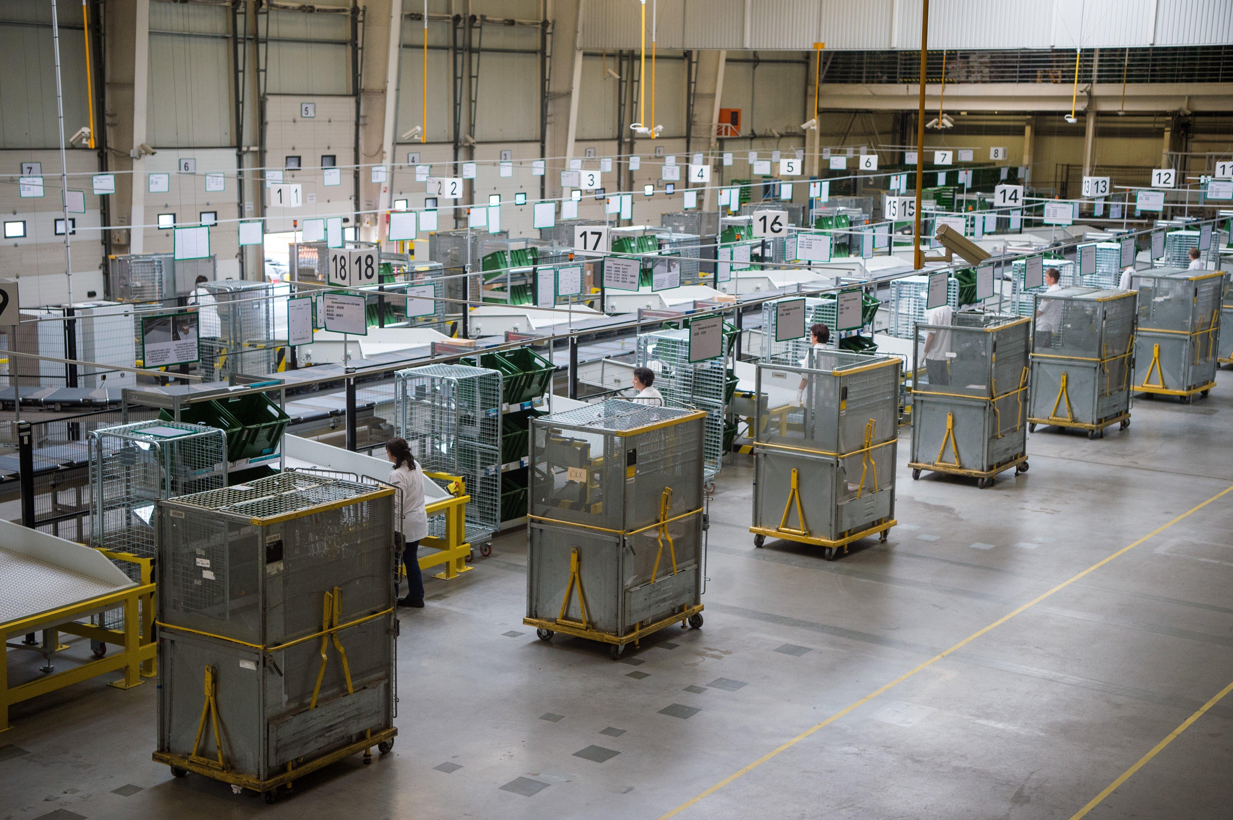Ne most rendeljünk dolgokat külföldről, lelassult a nemzetközi postaforgalom
