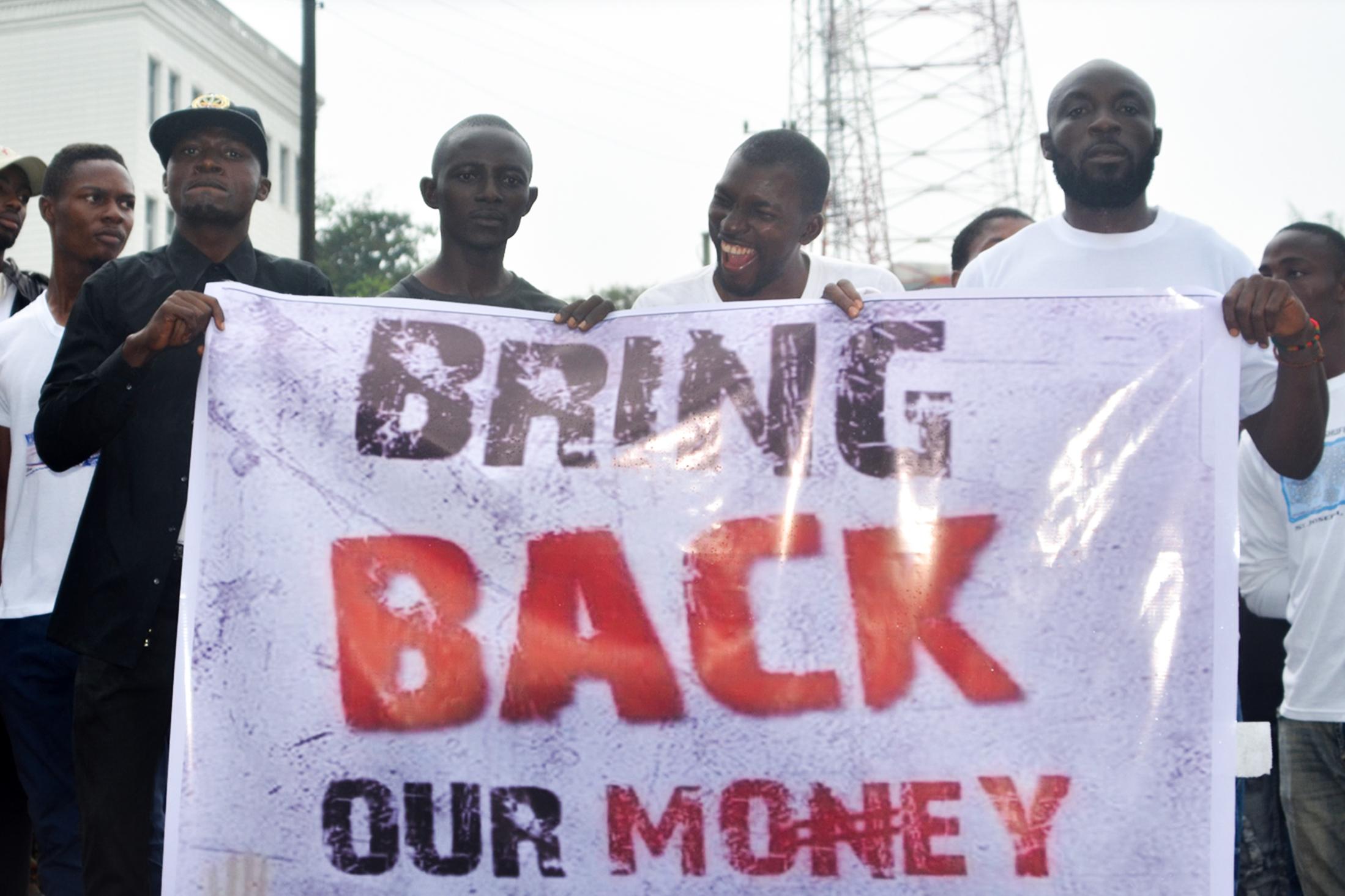 30 milliárd forintnyi készpénz tűnt el egy konténerből a libériai fővárosban