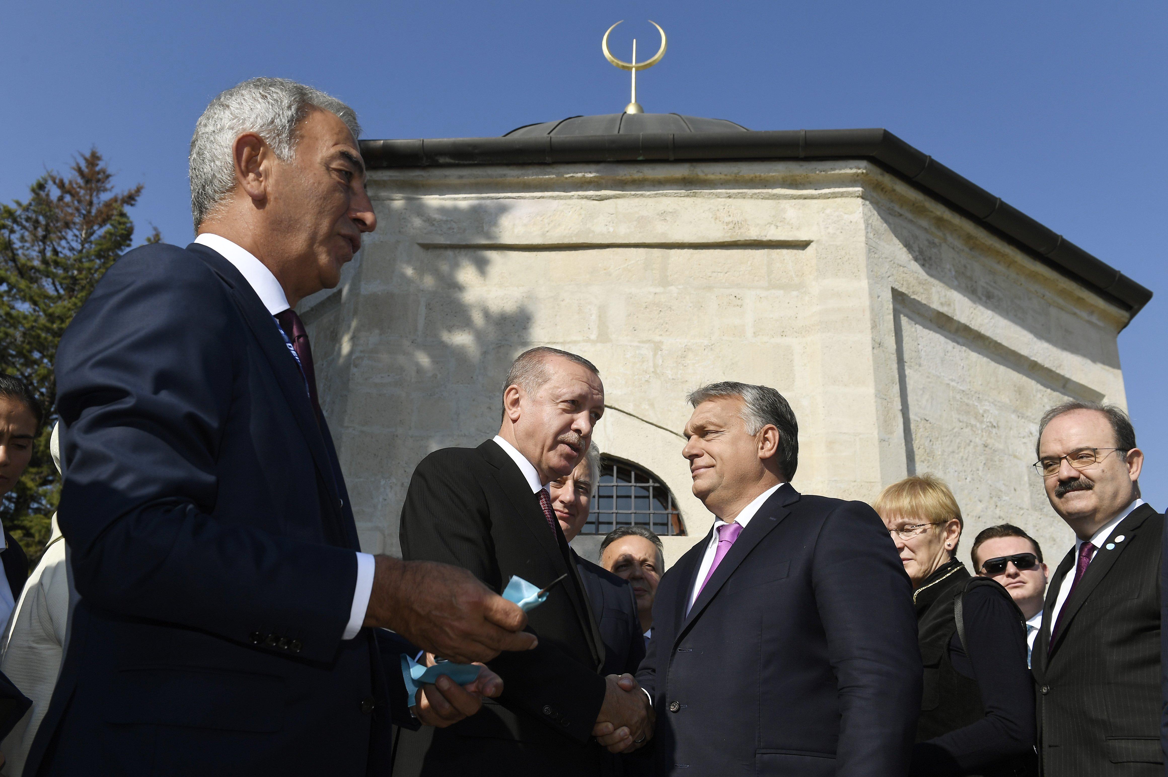 """Orbán """"szent életű dervisnek"""" nevezte Gül Babát, és kijelentette: az ő korának nagyságához kell felnőnünk"""