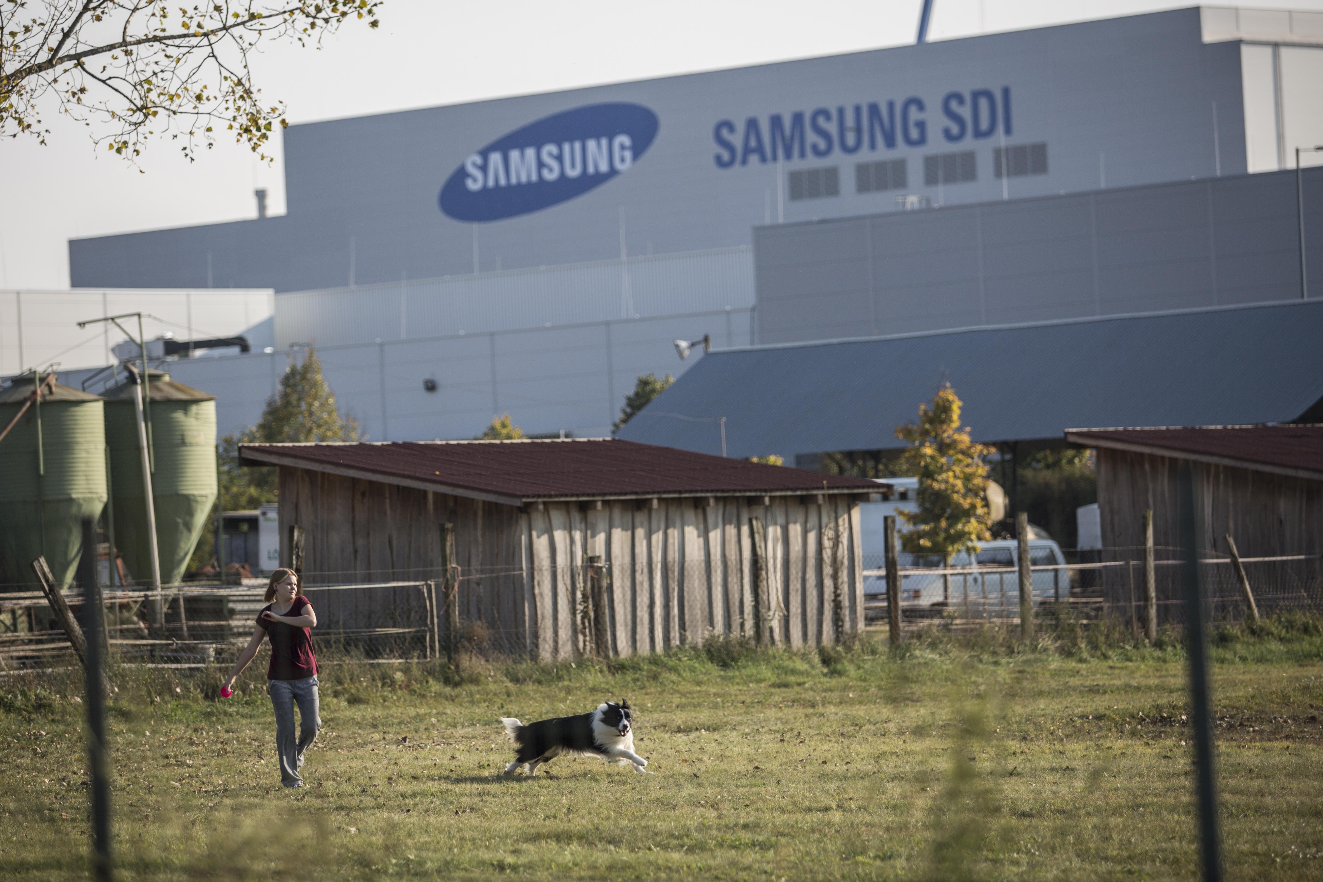 A kormány egy rendelettel elveszi Gödtől a Samsungtól beszedett adókat