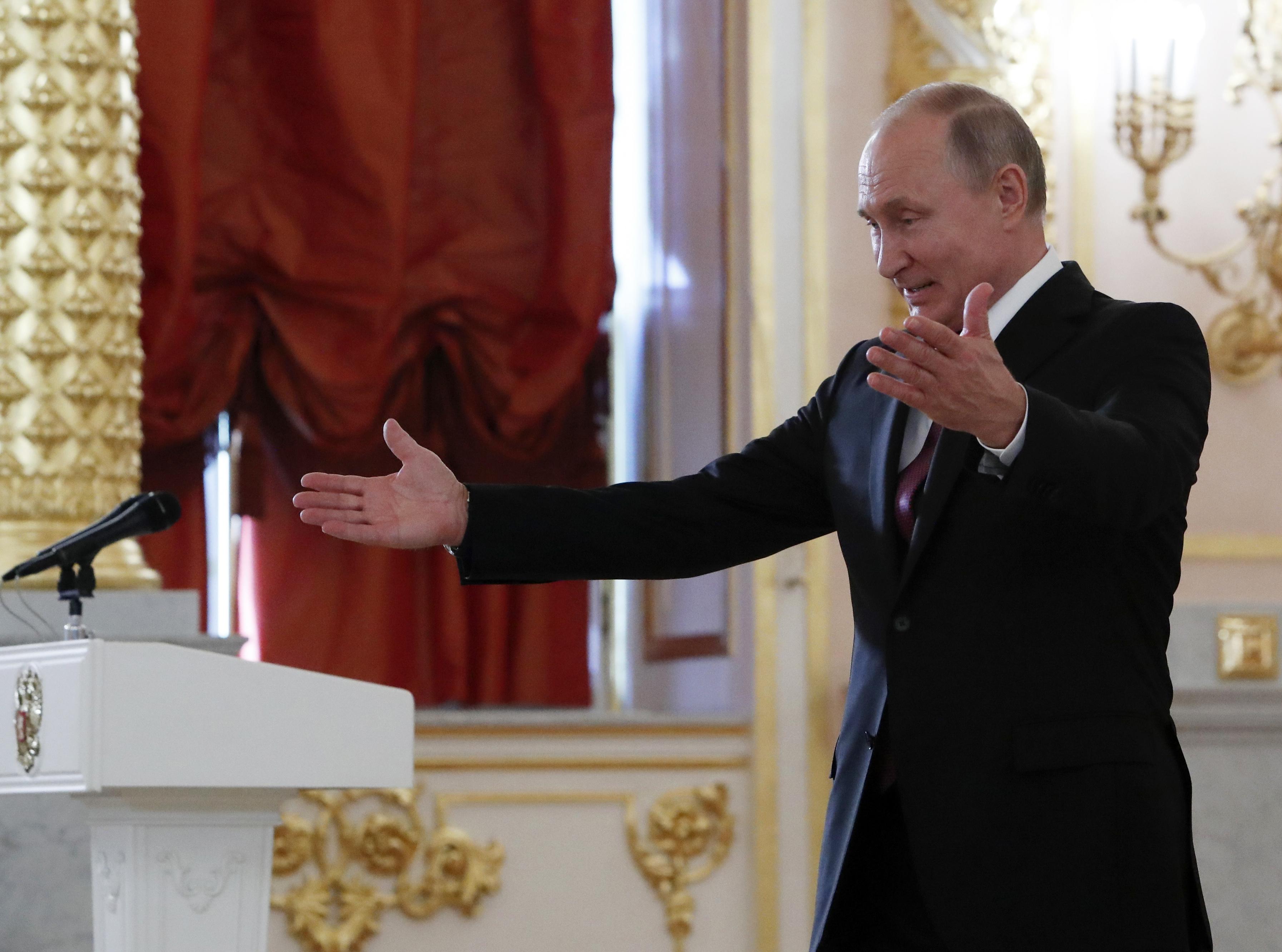 Putyin szóvivője szerint teljesen alaptalan, hogy bármi közük lett volna az amerikai választások befolyásolásához