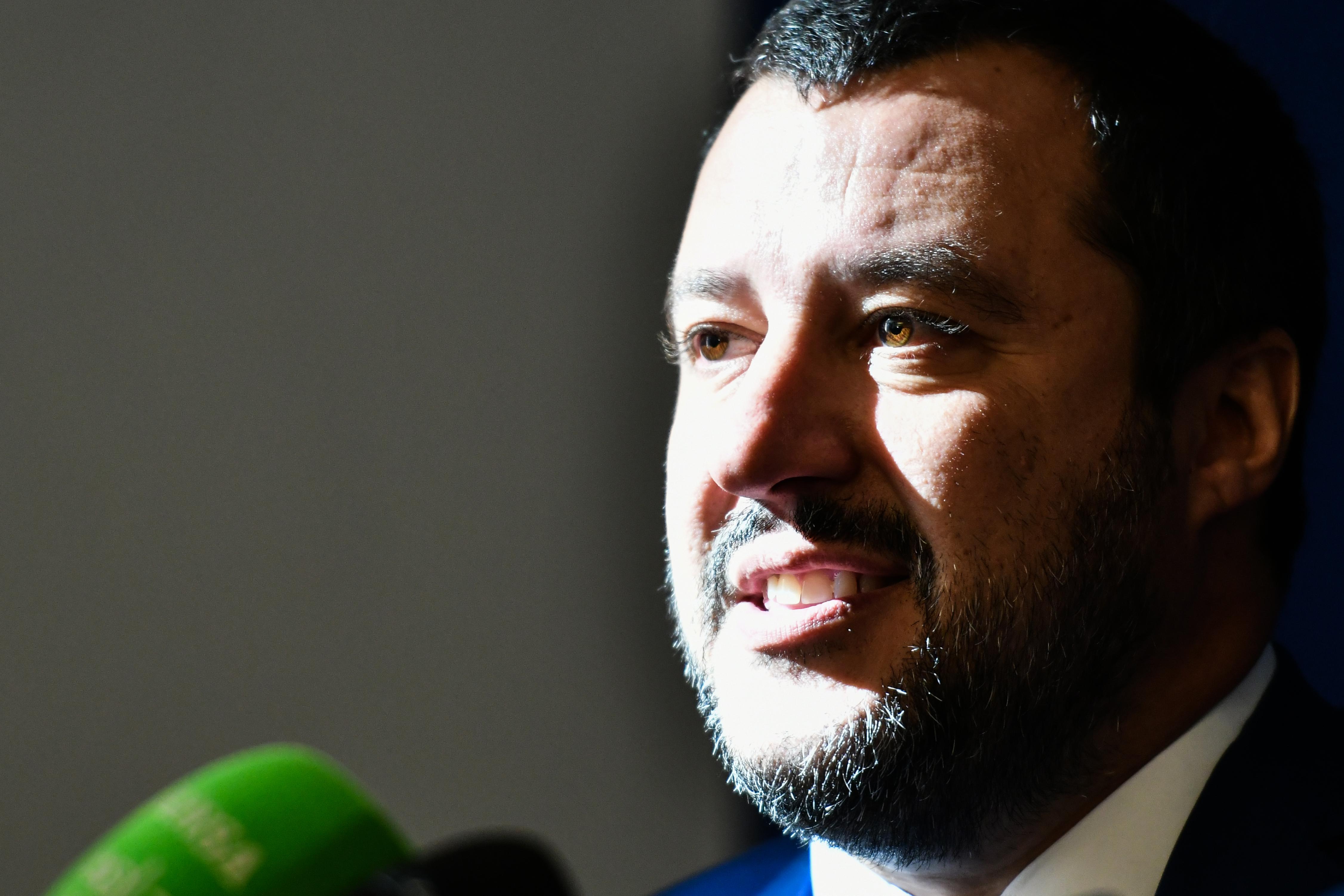 Emberrablásért állíthatják bíróság elé Matteo Salvinit