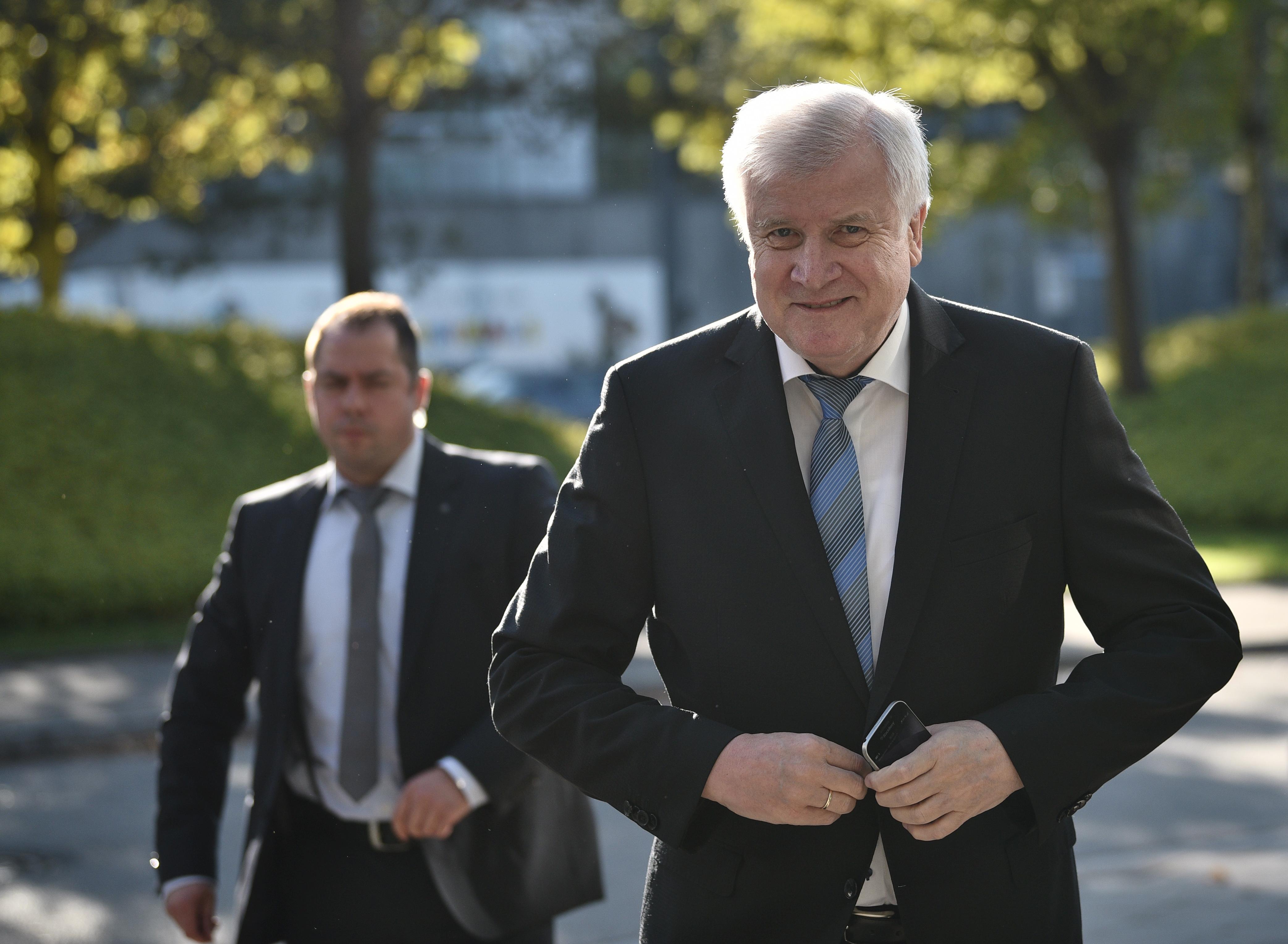 Nagyot zuhant, elveszítette többségét a CSU a bajorországi választásokon