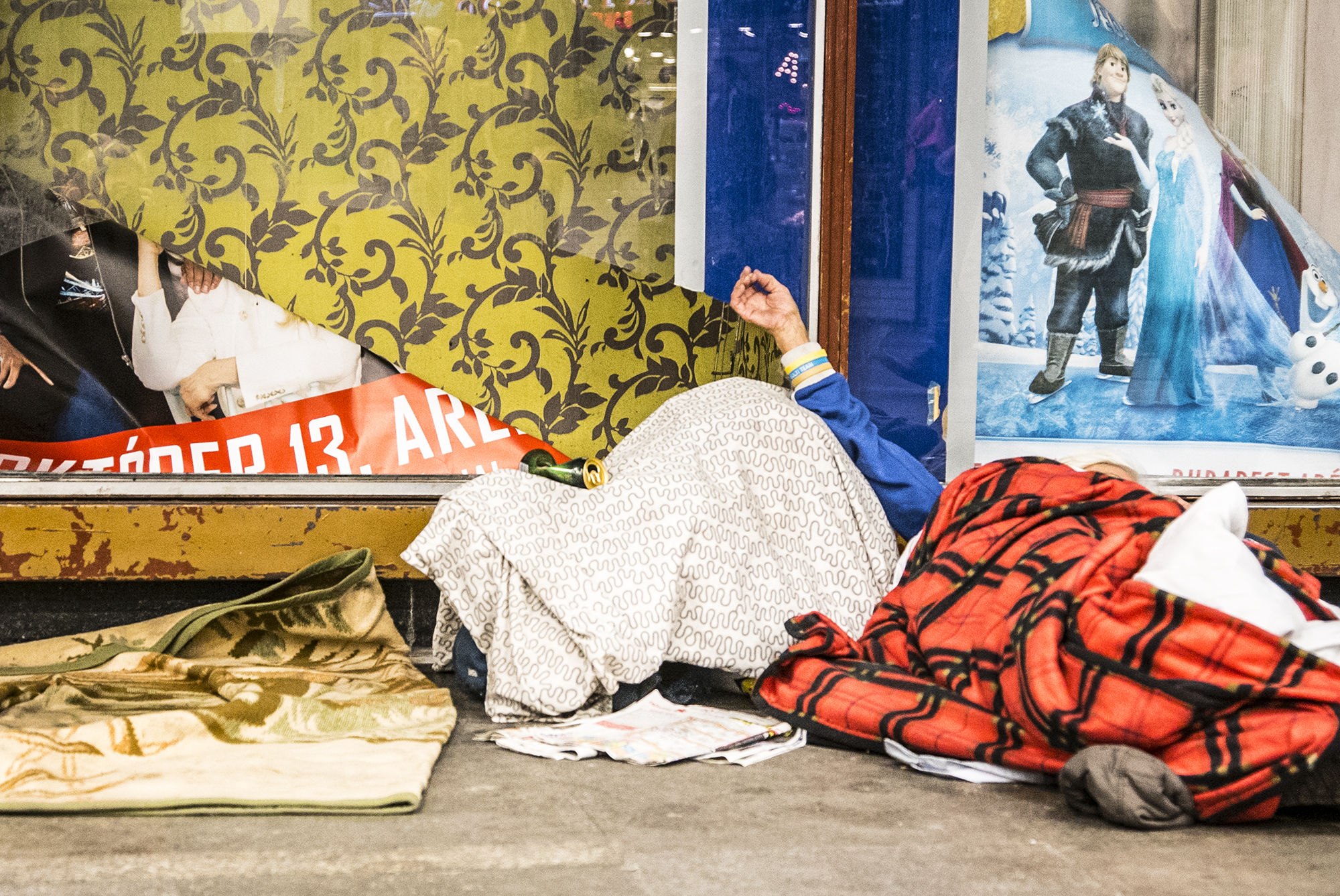 A tavalyi szigorítás óta a rendőrök 351 esetben figyelmeztettek hajléktalanokat, tíz embert állítottak bíróság elé