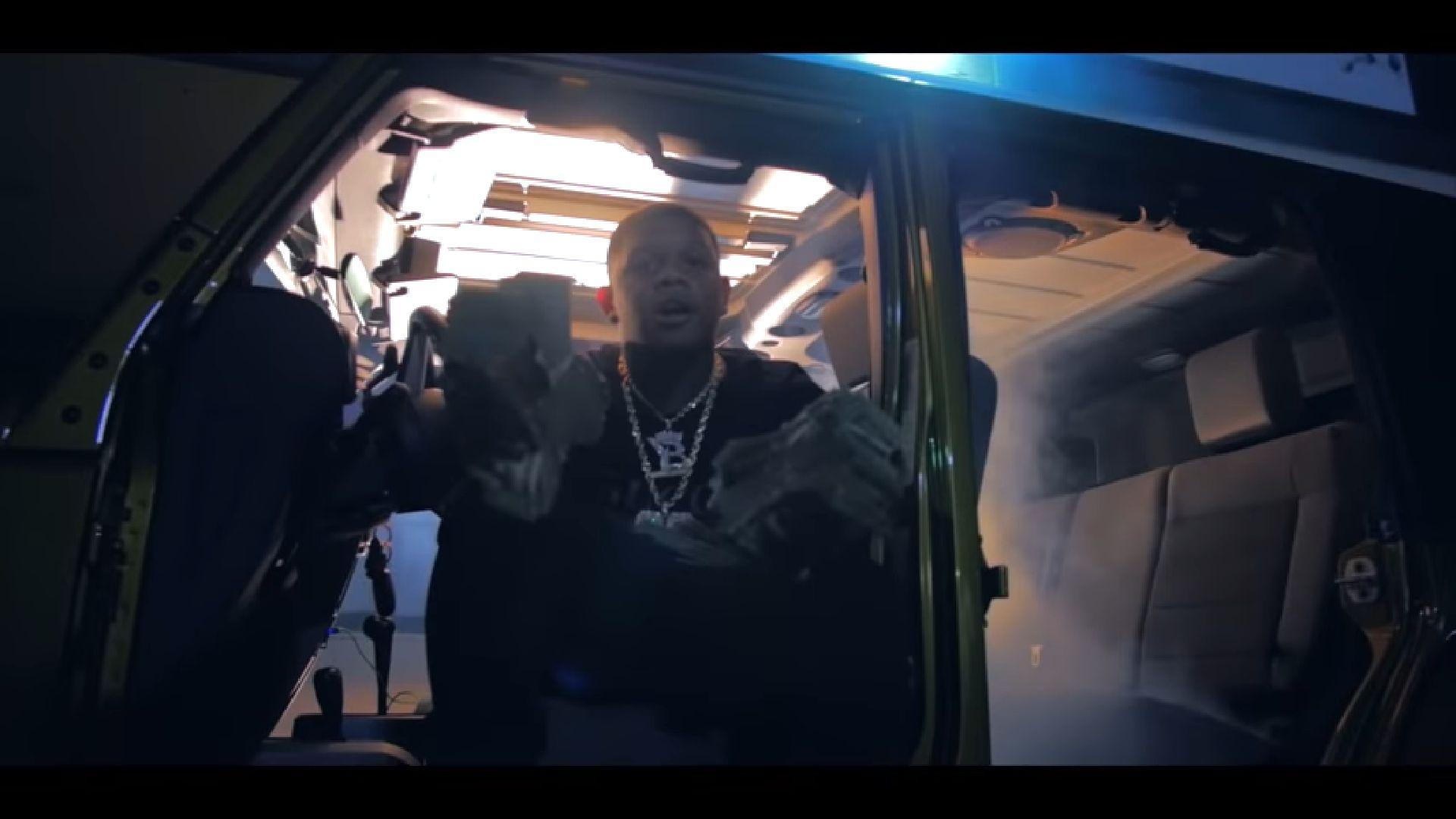 Szitává lőtték Yella Beezyt, az éppen híressé váló dallasi rappert