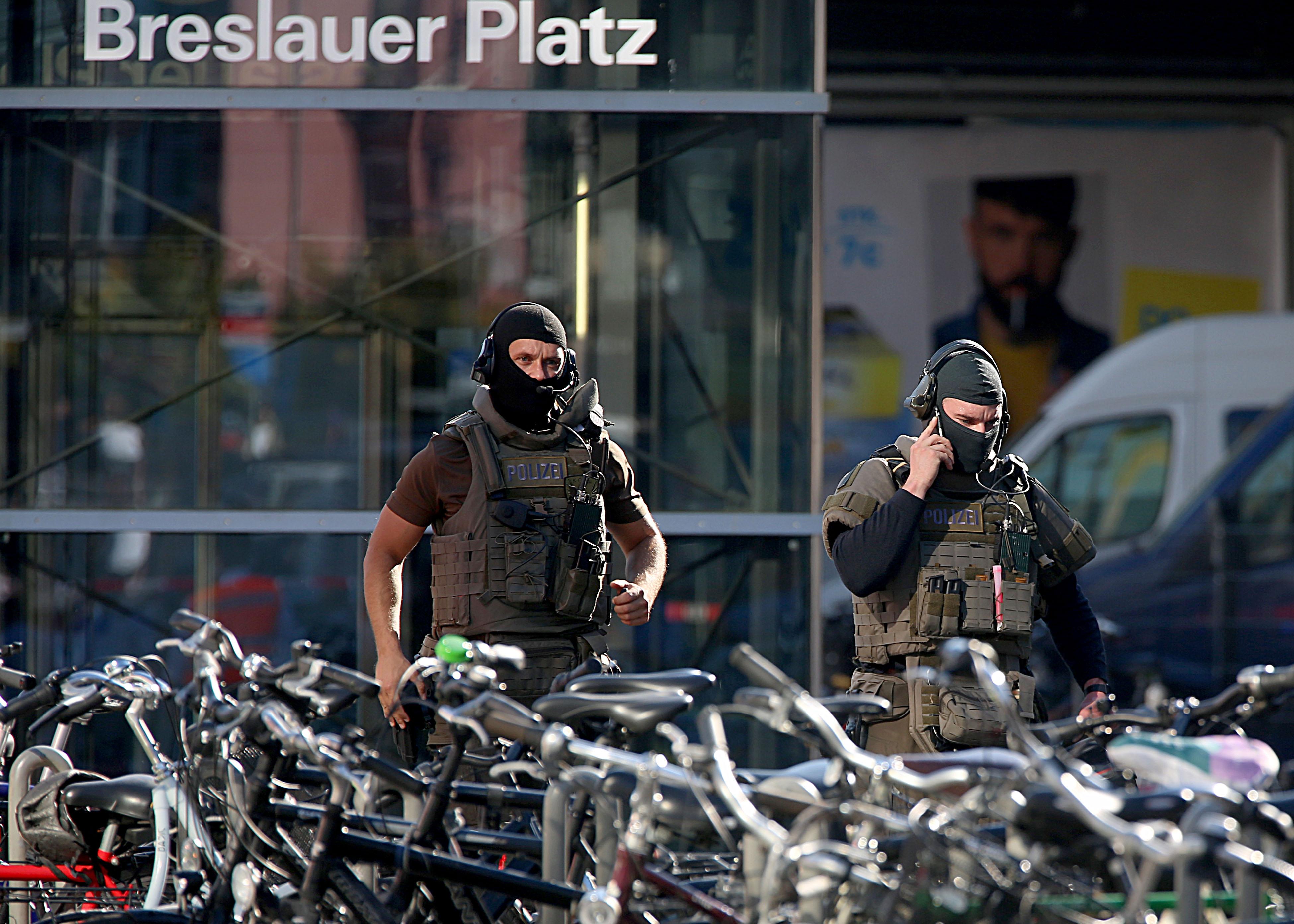 Túszejtés volt Kölnben, a túszejtő életveszélyesen megsérült