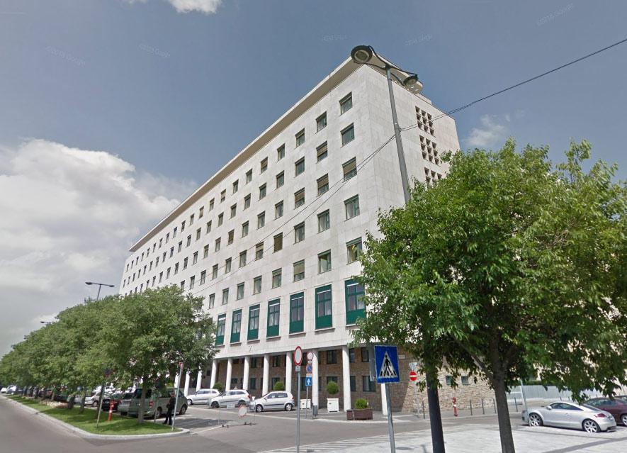 A Képviselői Irodaházba is bejutottak a csalók, akik 23 millió forinttal vágtak át egy vállalkozót