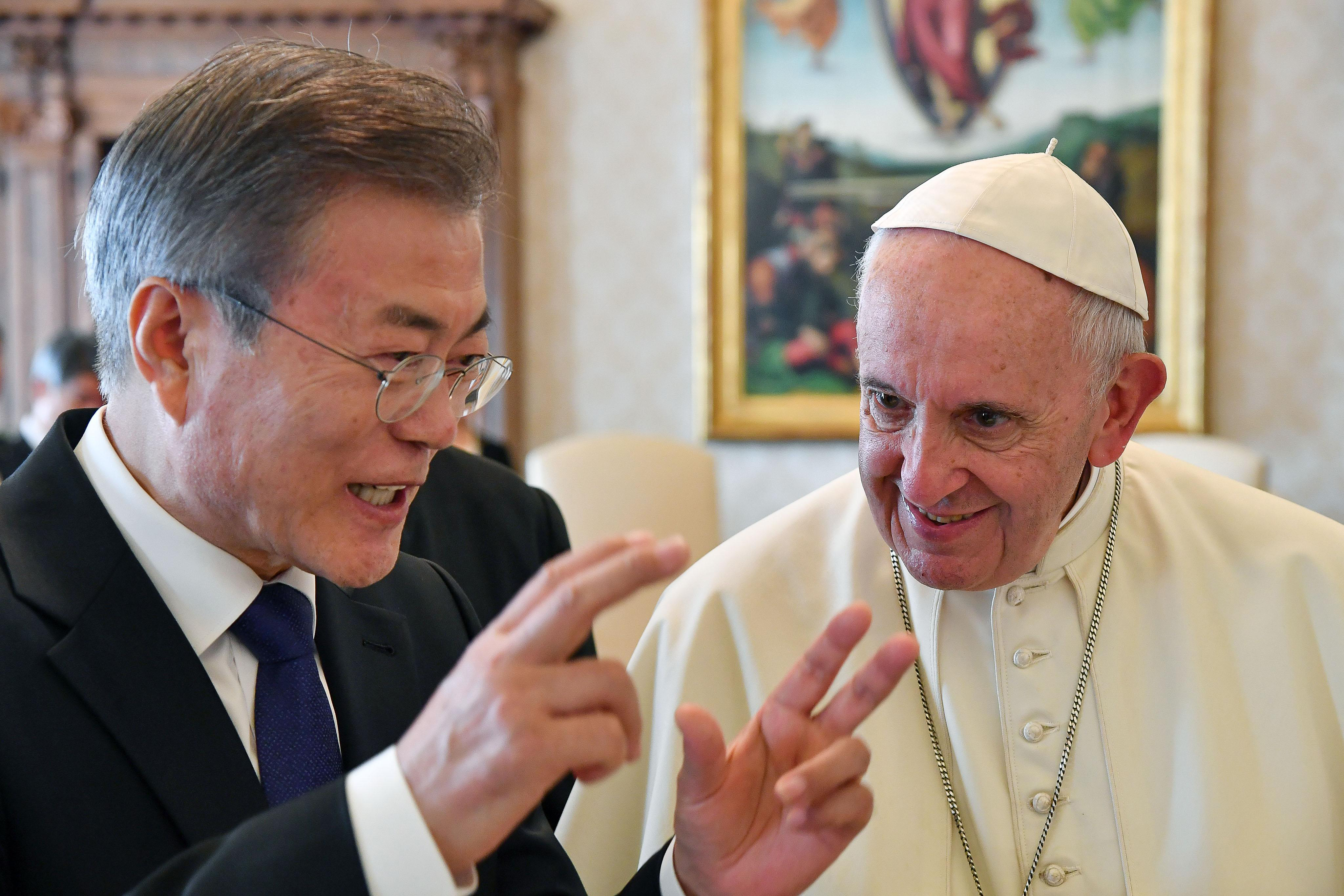 Ferenc pápa lehet, hogy Észak-Koreába látogat