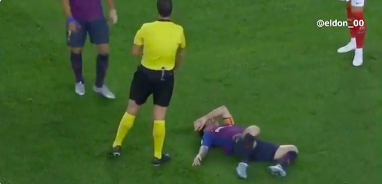 Csúnyán megsérült Messi, talán el is tört a könyöke