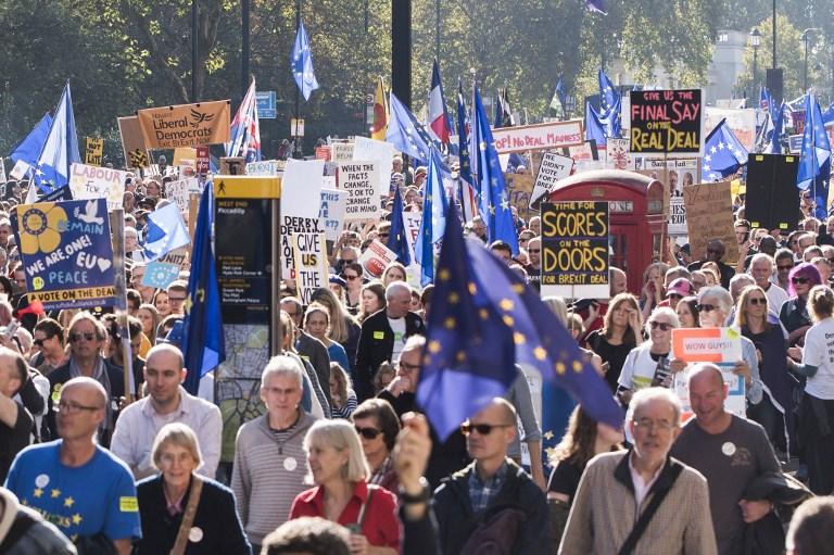 Szedd ki a tojást a sütiből! - ezzel a viccel idézzük meg a félmilliós Brexit-ellenes tüntetést