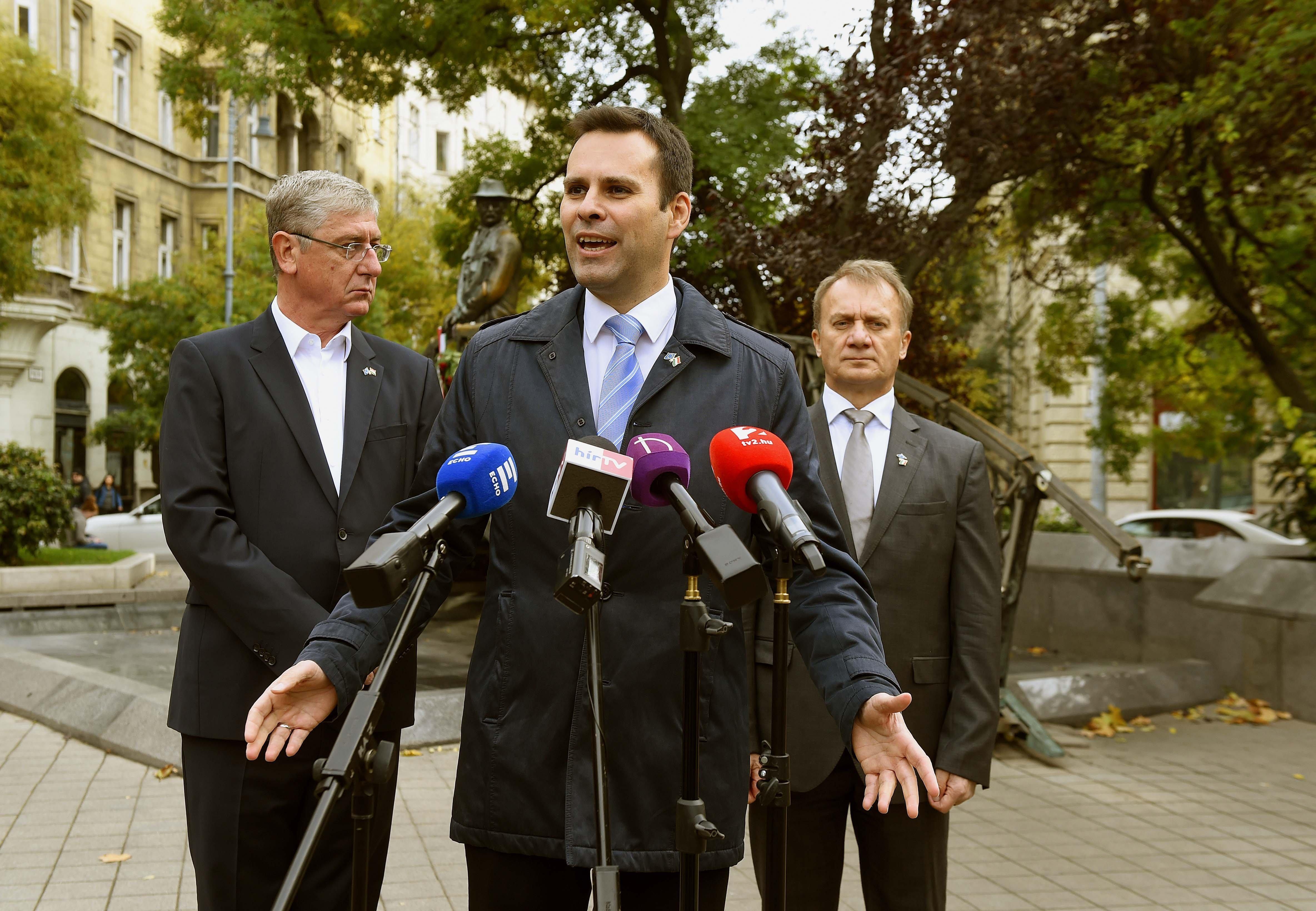 A Legfőbb Ügyészségről is lepattantak a hazaárulás miatt önfeljelentő DK-s képviselők