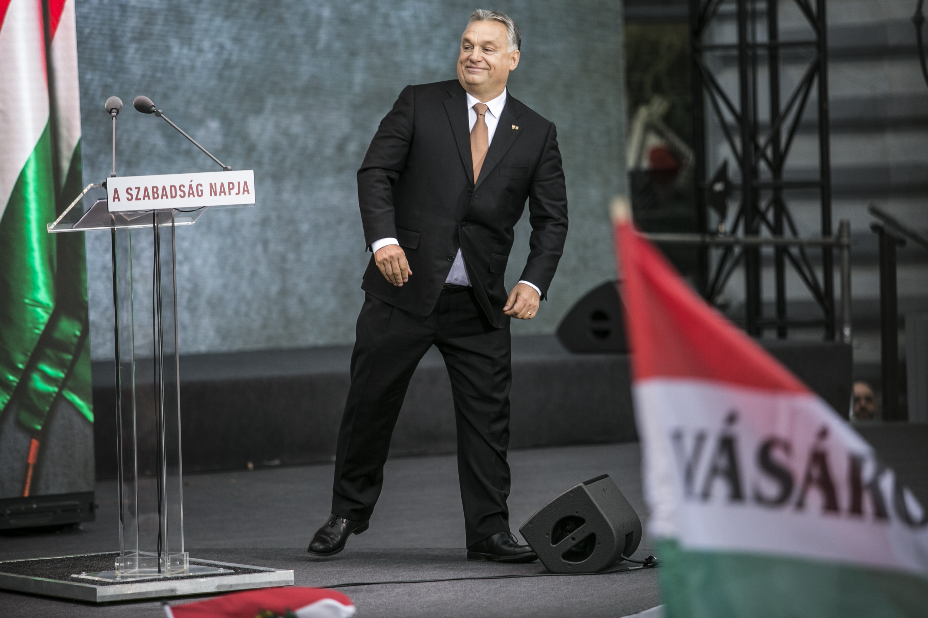 Orbán ott lesz Bolsonaro beiktatásán