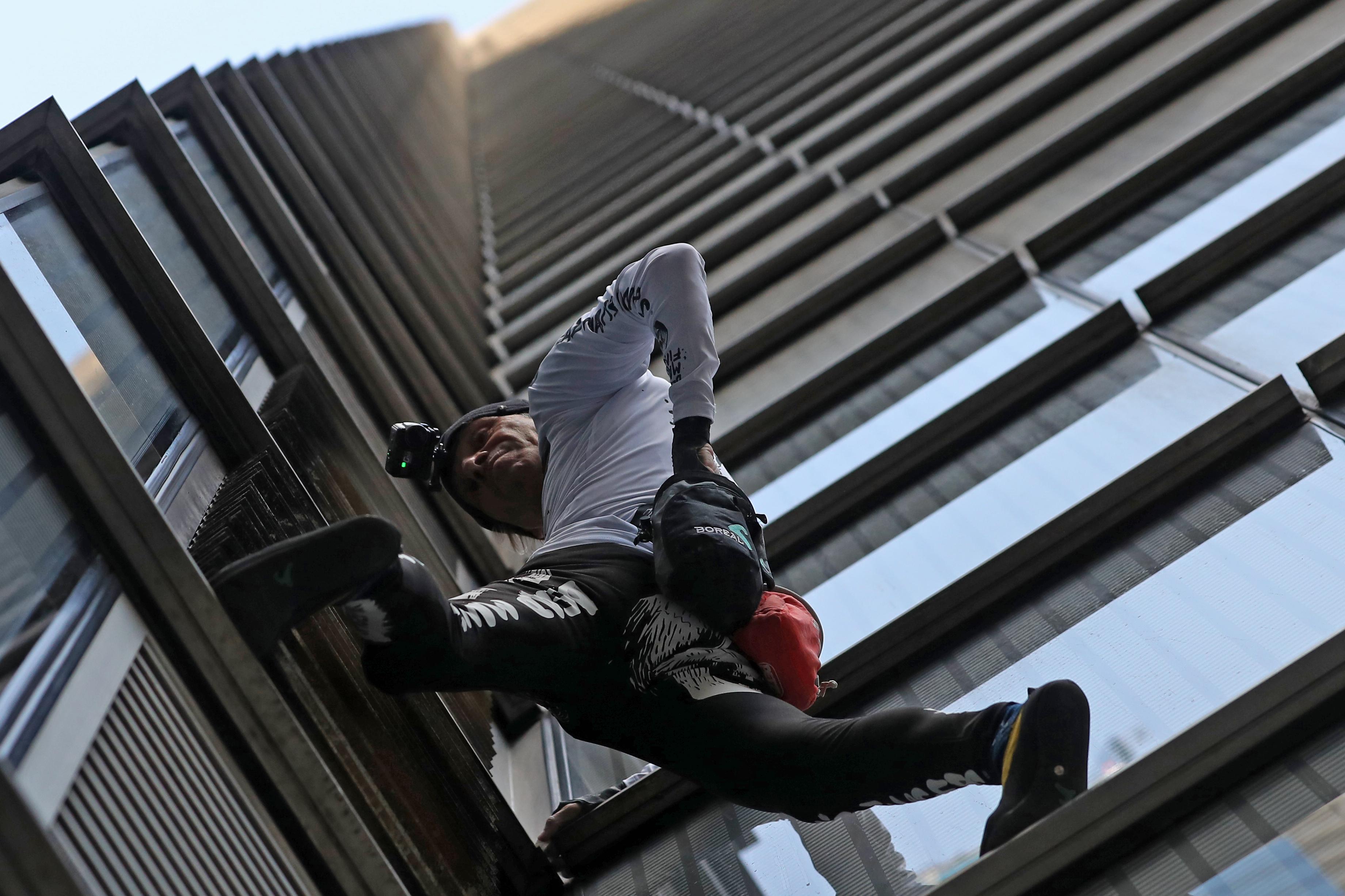 Letiltották a brit toronyházakról a francia pókembert